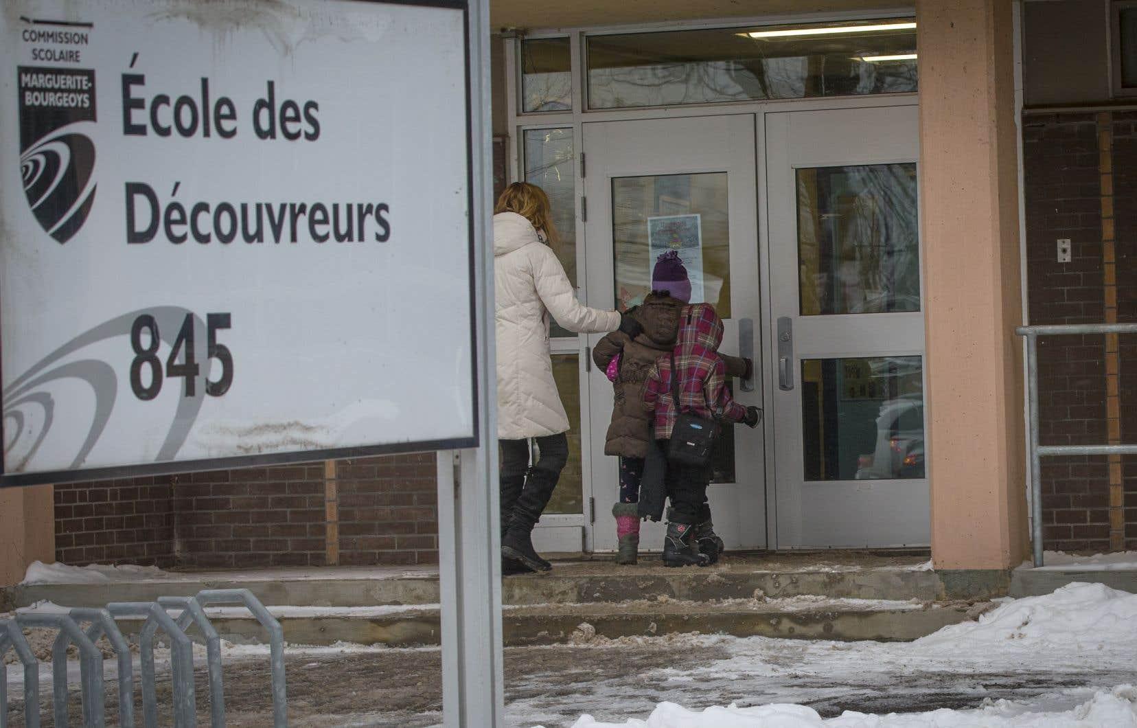 Le 14 janvier, des enfants et des membres du personnel ont été intoxiqués au monoxyde de carbone à l'école primaire des Découvreurs, à Montréal.