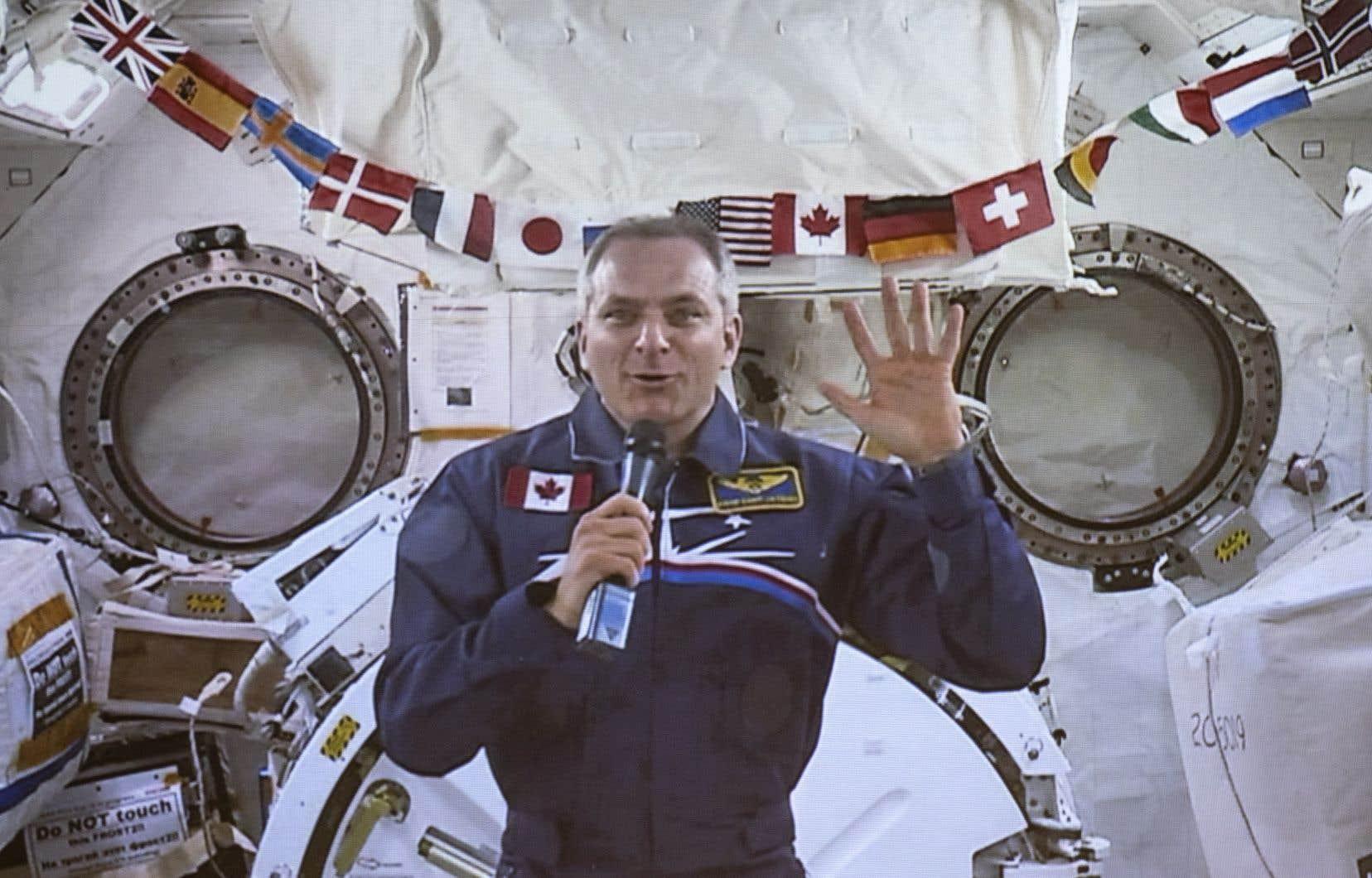 <p>La première mission spatiale de David Saint-Jacques, avec l'astronaute de la NASA Anne McClain et le cosmonaute russe Oleg Kononenko, a débuté le 3décembre lorsque le trio est arrivé à bord d'une capsule Soyouz.</p>