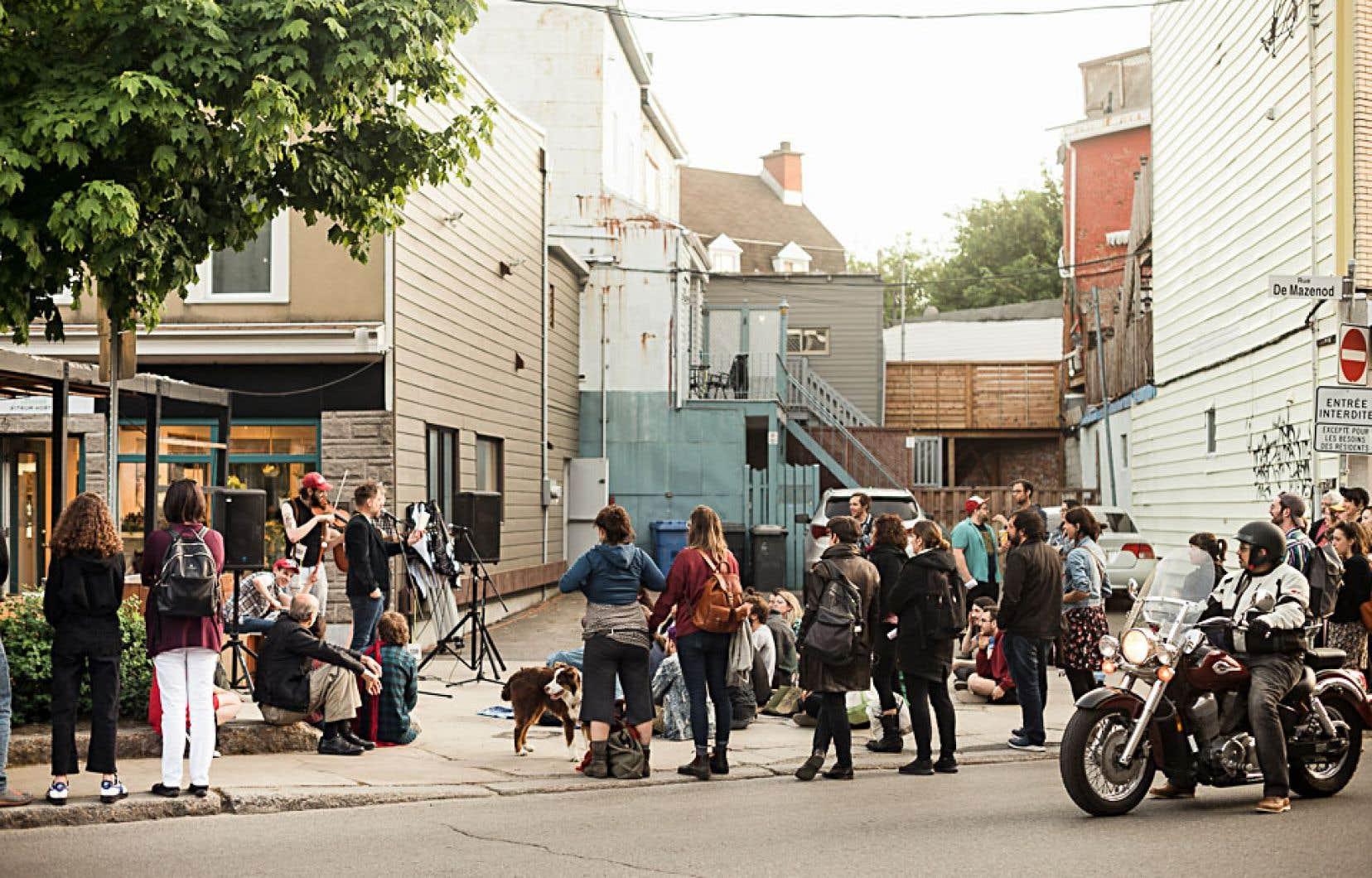 Après avoir pris racine rue Beaubien à Montréal, le festival-boutique multidisciplinaire SOIR a récemment inauguré avec succès une édition à Québec.