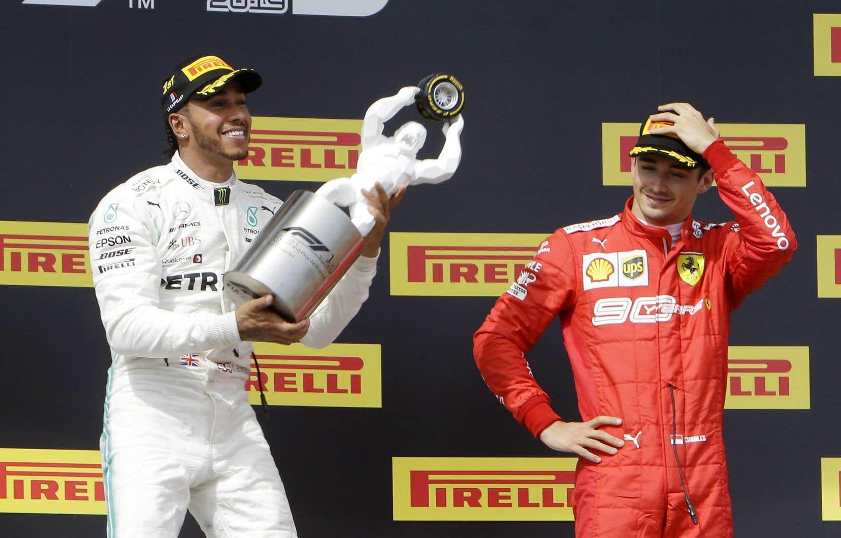Hamilton est en quête d'un sixième championnat de la Formule Un. Il en est à 79 victoires, à 12 d'égaler la récolte record de Michael Schumacher.