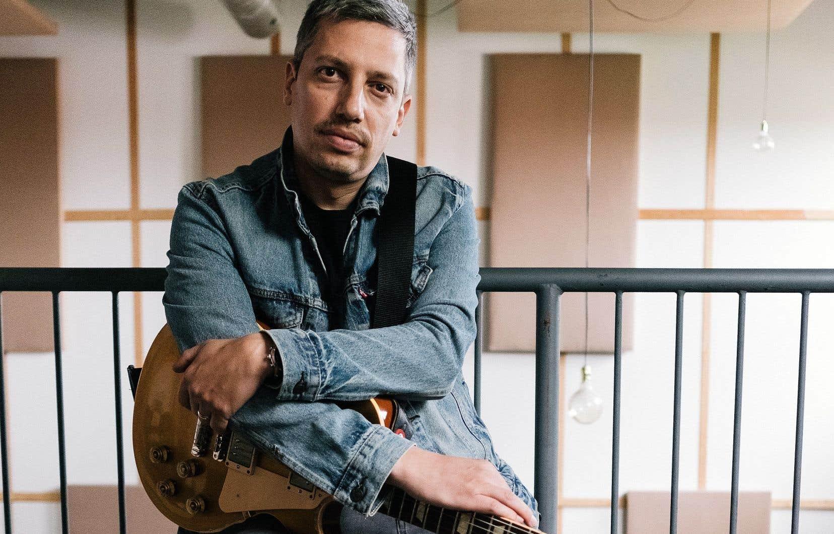 Andre Papanicolaou est surtout connu comme un guitariste accompagnateur respecté.