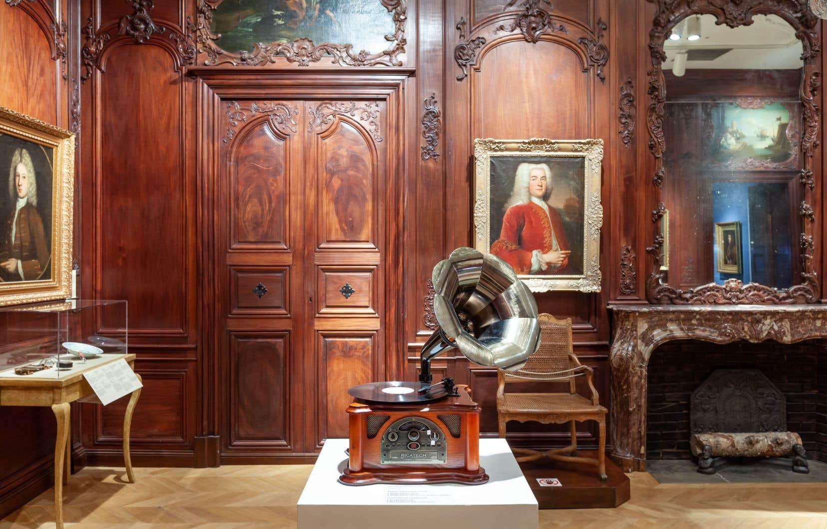 Jacqueline Hoàng Nguyen, «La chambre des échos. Unvarnished Veneer», 2019. Vue de l'expo au Château Ramezay.