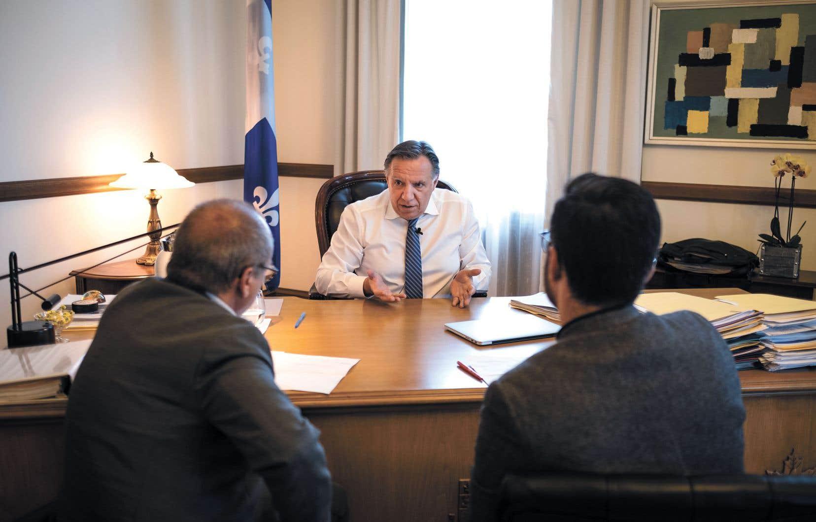 Le premier ministre François Legault s'est entretenu avec l'éditorialiste Robert Dutrisac et le journaliste Marco Bélair-Cirino.
