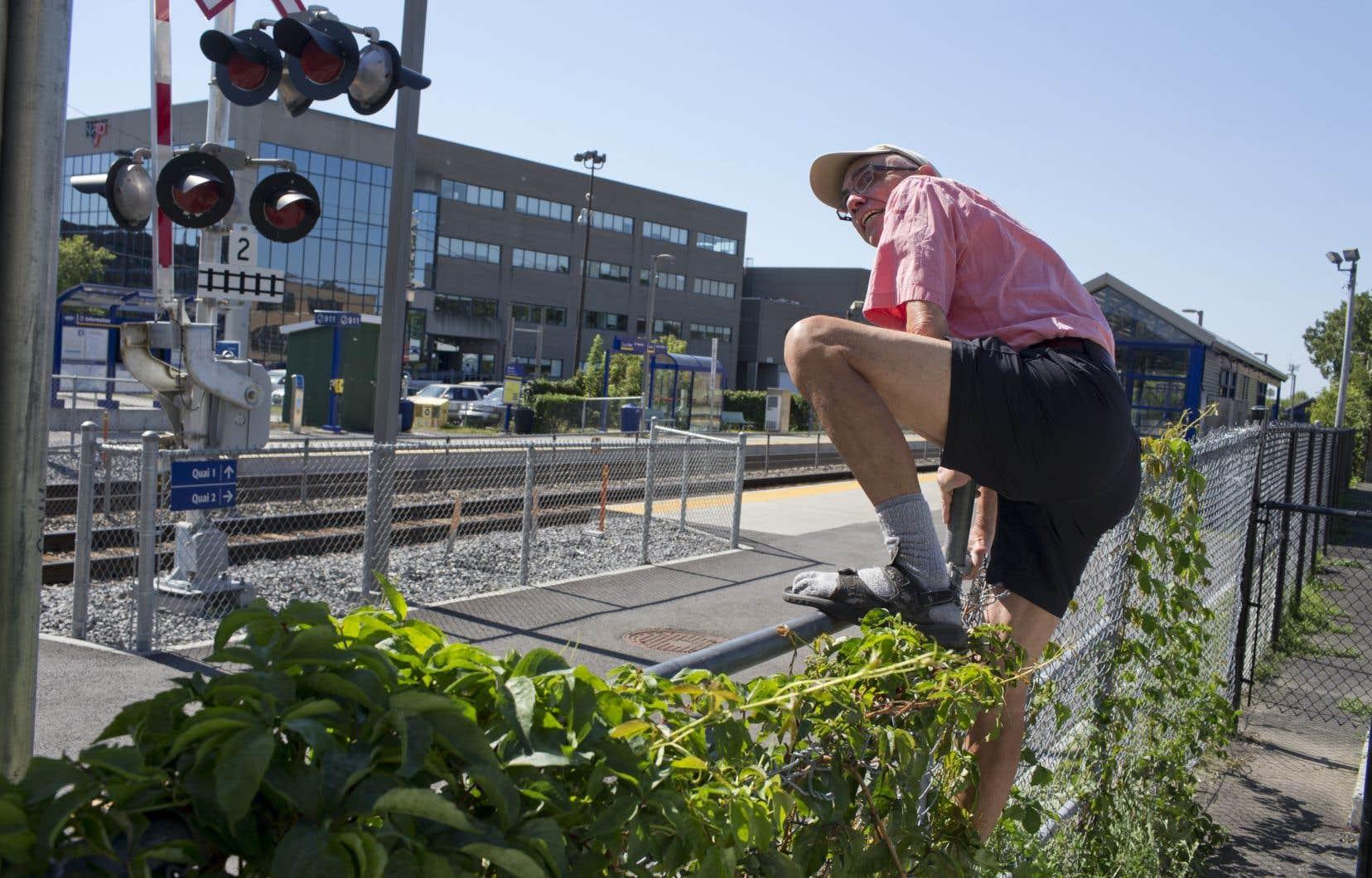 L'OTC a déterminé que Montréal sera responsable des coûts de construction et d'entretien, puisque c'est elle qui bénéficiera principalement de ces passages destinés aux piétons et aux cyclistes.