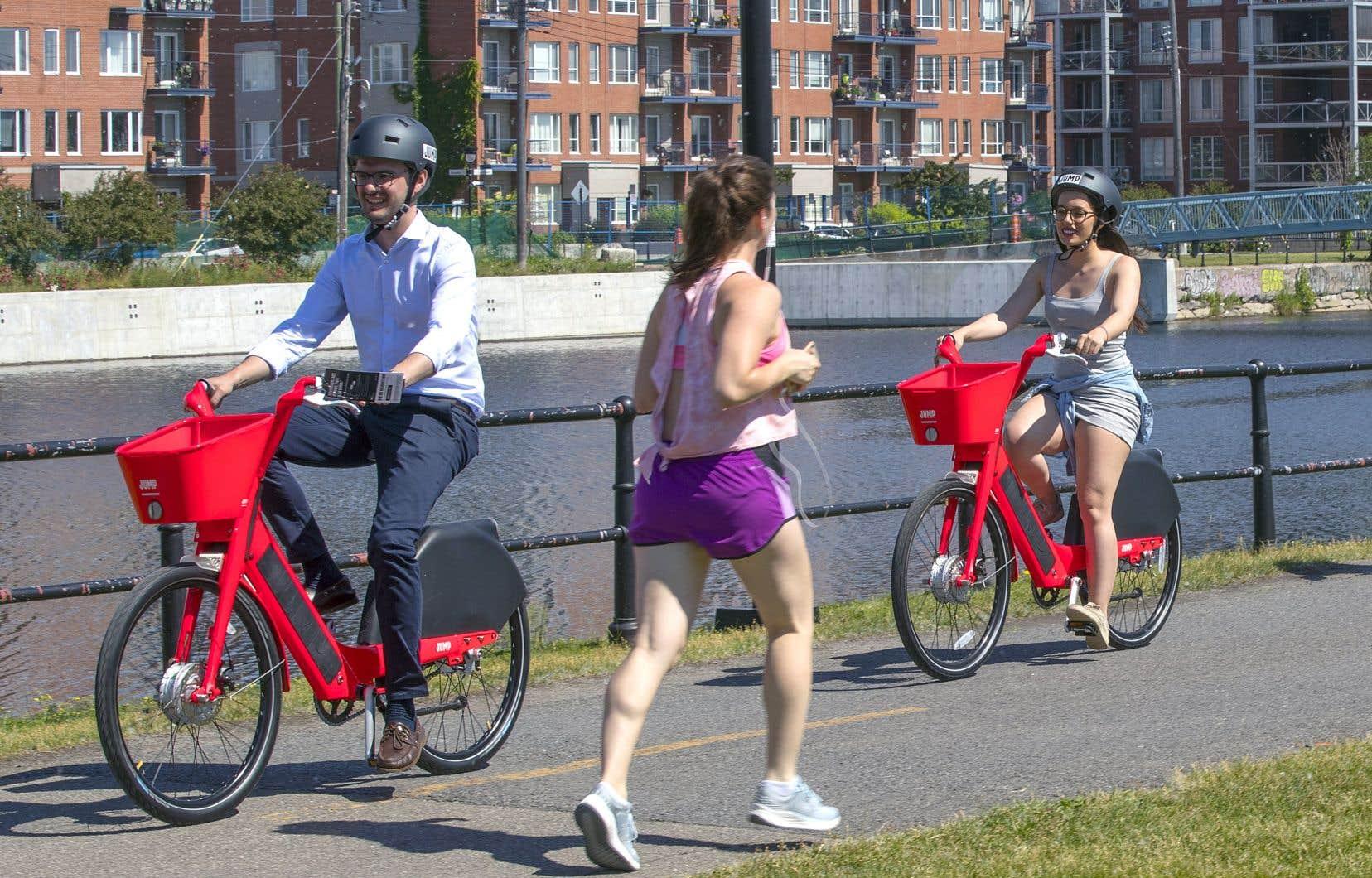 Les vélos Jump d'Uber sont disponibles à Montréal depuis une semaine.