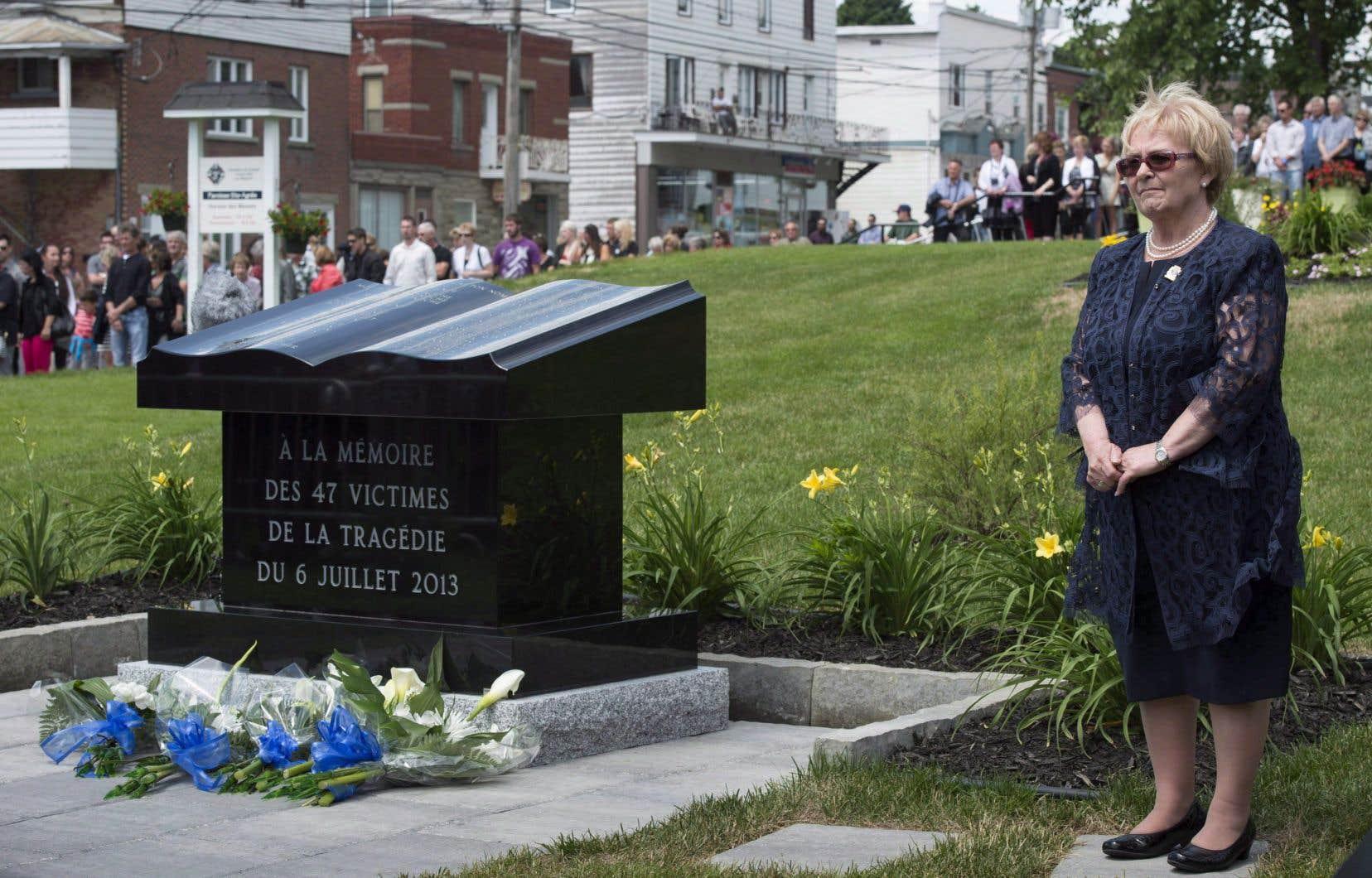L'ancienne mairesse Lac-Mégantic,Colette Roy Laroche, lors des commémoration de 2014.