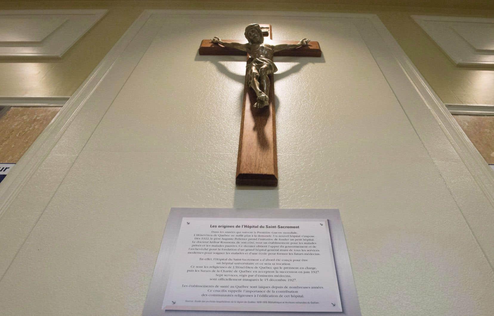 «Lorsqu'on a tenté de retirer le crucifix à l'hôpital du Saint-Sacrement en 2017, la levée de boucliers fut tellement intense que l'objet a été remis en place rapidement», rappelle l'auteur.