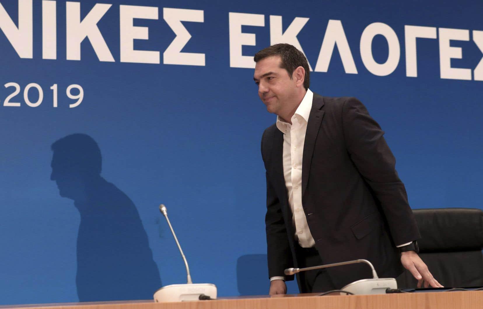 Aléxis Tsíprasa promis d'être «actif dans les rangs de l'opposition» et de se «relever».