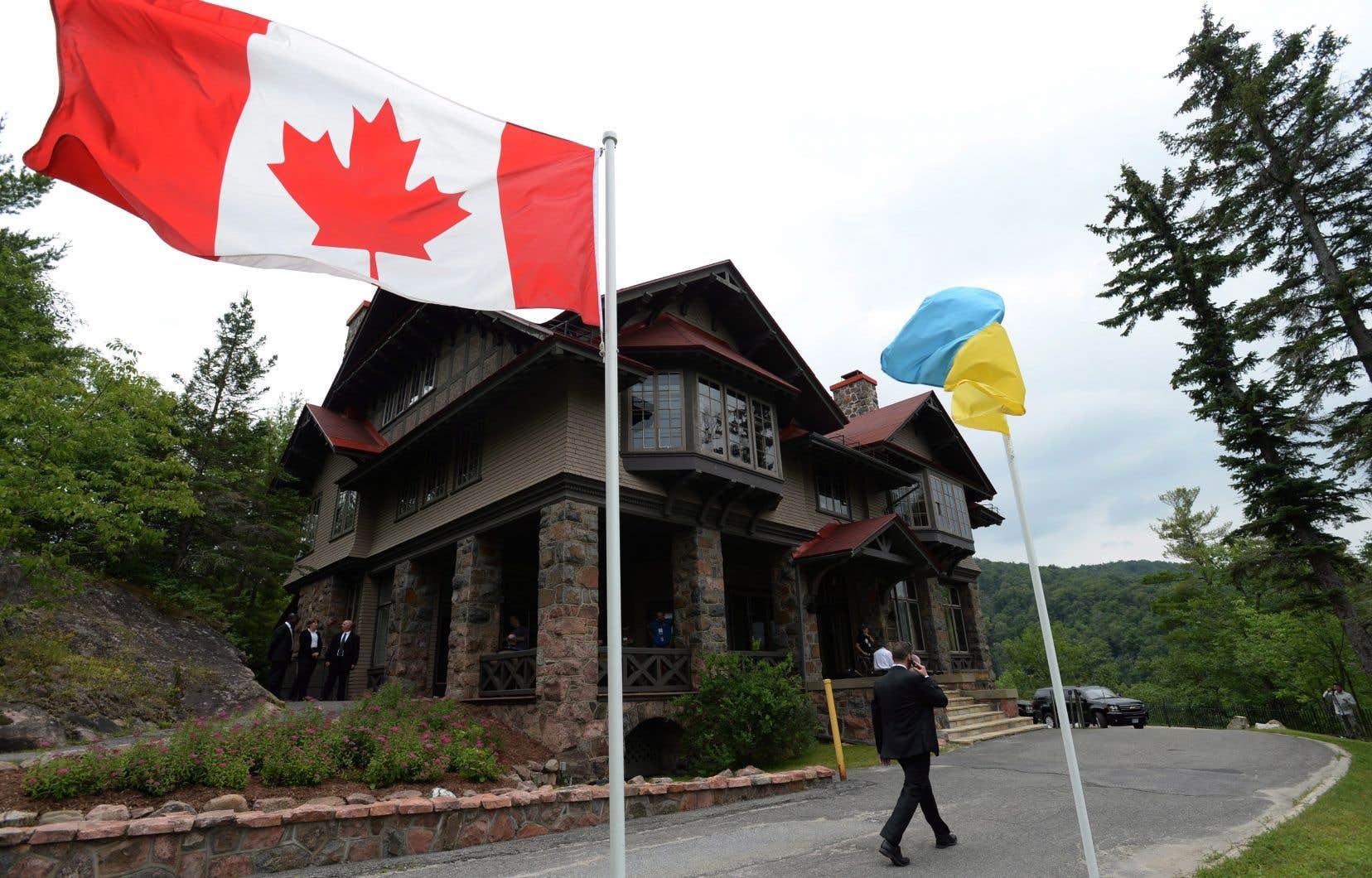 Sous la gouverne de la GRC, la police canadienne déployée en Ukraine y soutient les efforts de réforme de la police.