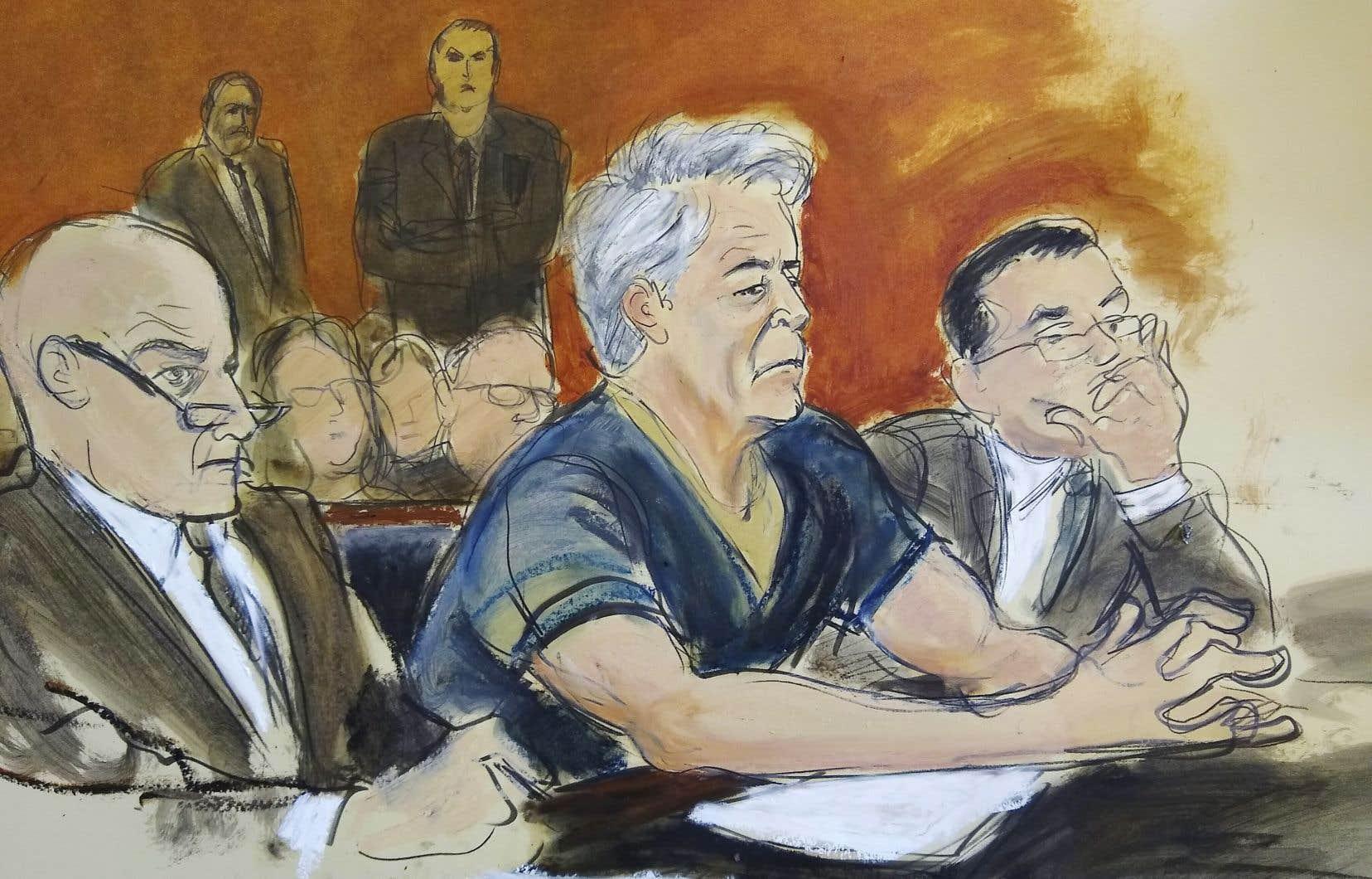 Jeffrey Epstein, vêtu de la tenue réglementaire bleu marin des détenus, a plaidé non coupable lors de l'audience.