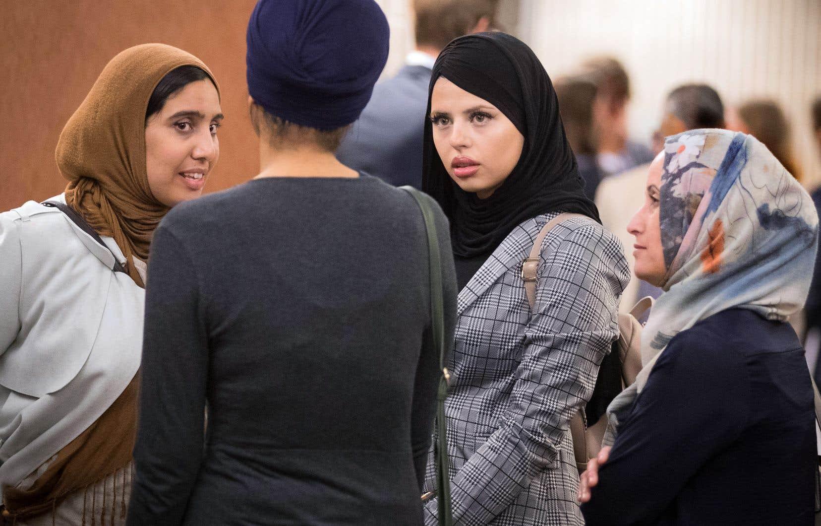 Quelques femmes musulmanes ont assisté mardi aux audiences de la Cour supérieure sur la contestation de la Loi sur la laïcité de l'État.
