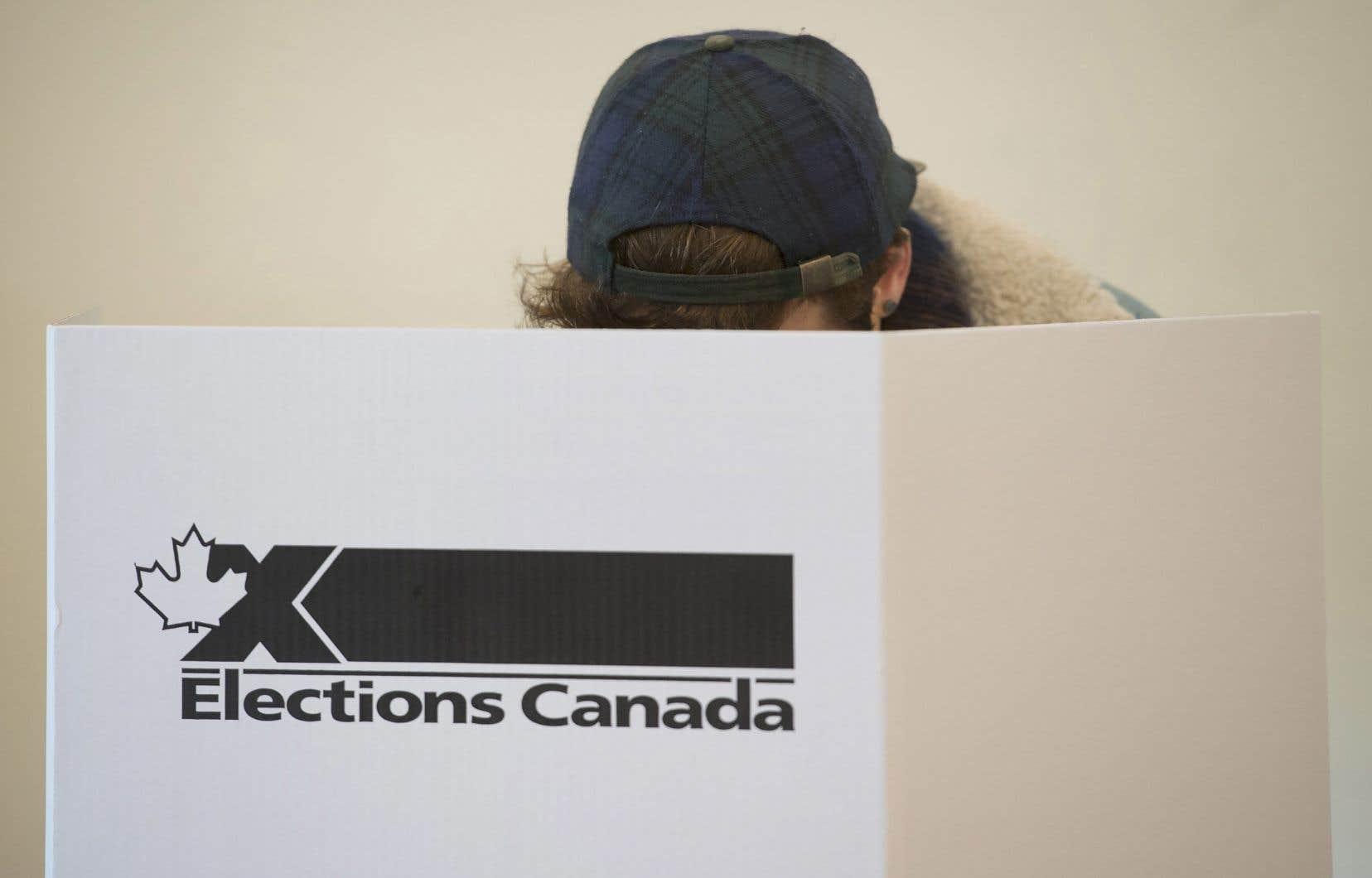 «Pour le moment nous n'avons pas vu de menaces directes à l'élection générale de 2019», ont assuré des fonctionnaires fédéraux mardi, lors d'une séance d'information sur les préparatifs en vue du scrutin.
