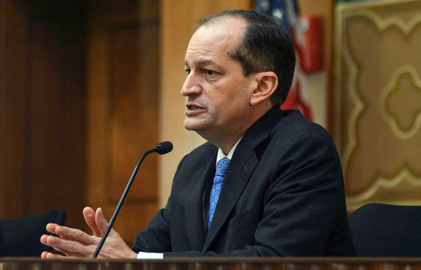 Le secrétaire au Travail, Alexander Acosta, travaillait comme procureur fédéral en Floride lorsque ses services ont conclu un accord avec Jeffrey Epstein.