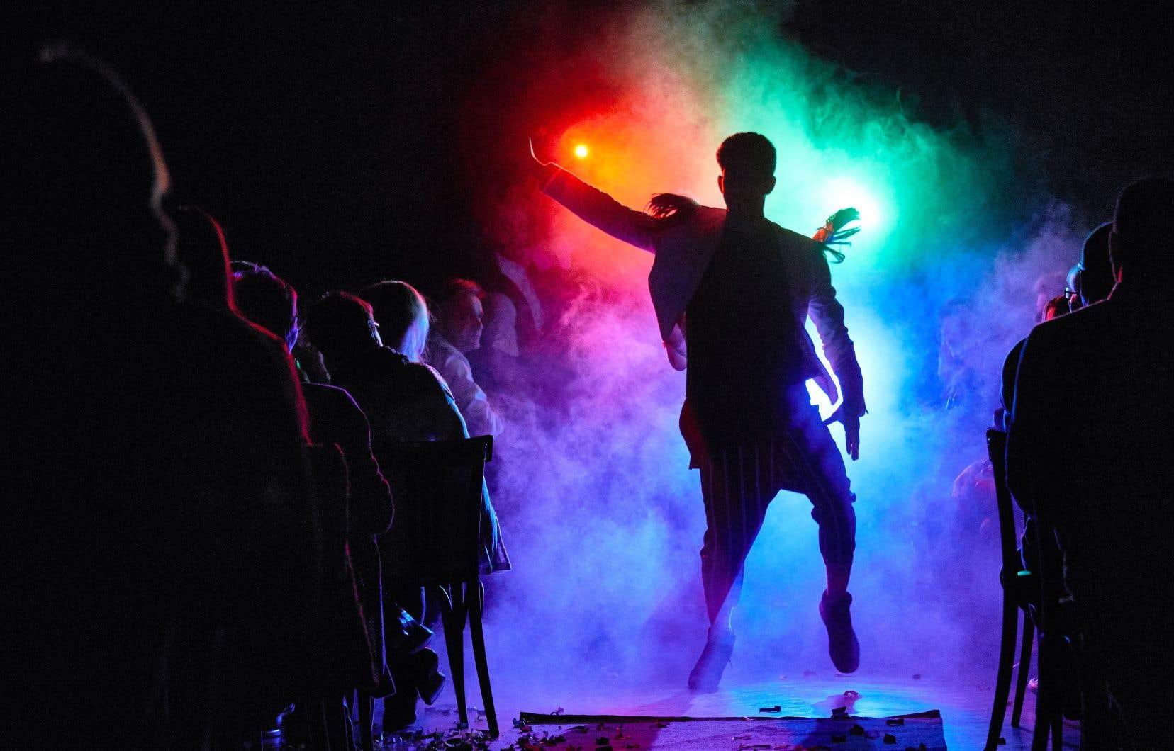 L'ambiance est résolument à la fête sur la scène du spectacle «Finale».