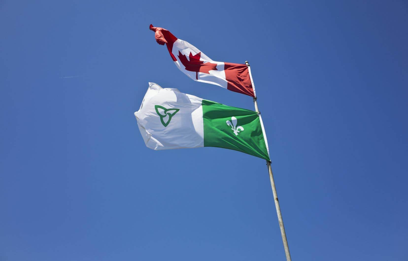 L'entente dévoilée la semaine dernière indique que «les droits linguistiques et des institutions sont menacés en Ontario, au Québec et au Nouveau-Brunswick» et qu'il convient d'être «solidaires».