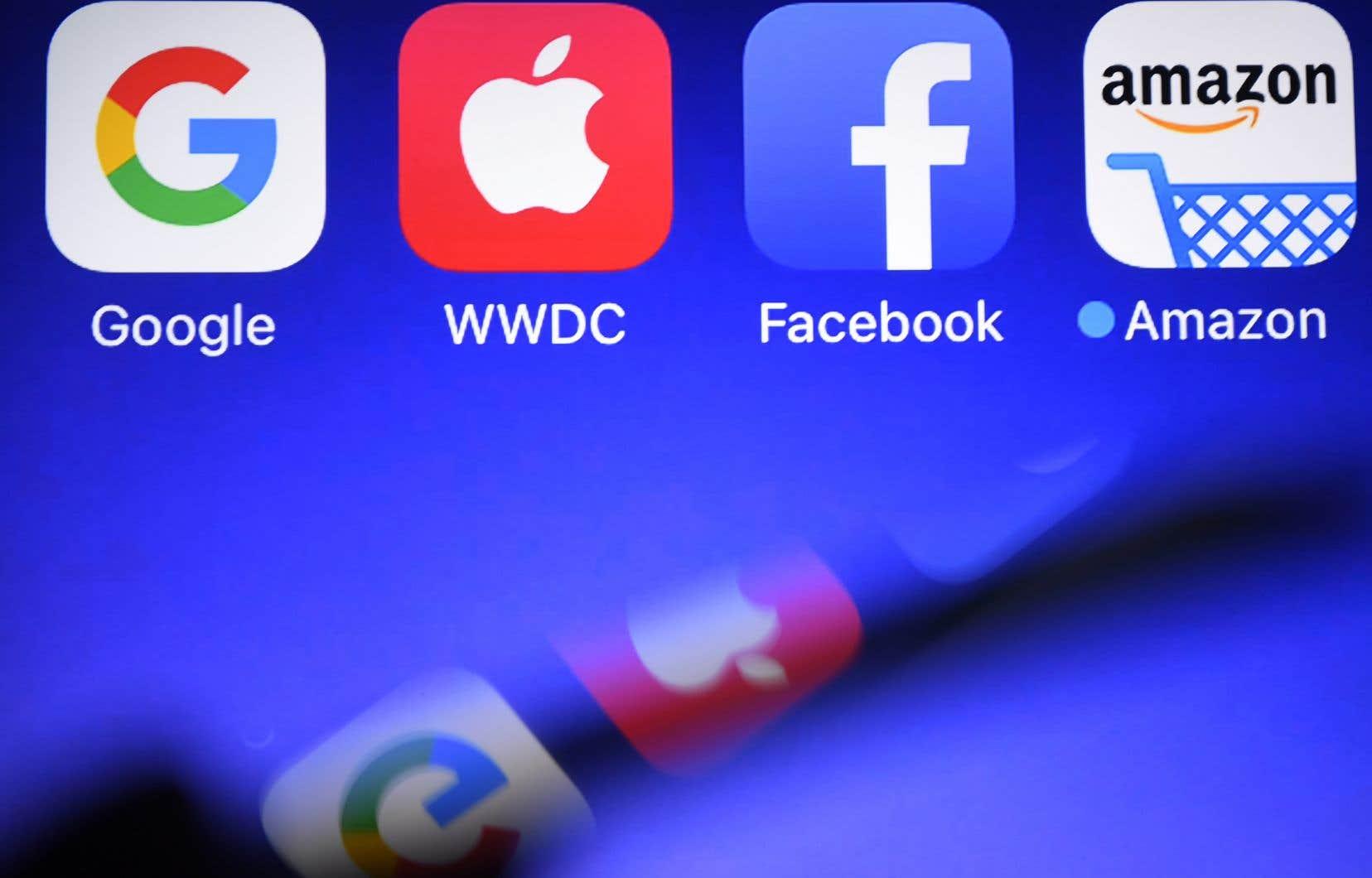 En France, le Parlement a adopté définitivement jeudi l'instauration d'une taxe sur les géants du numérique.