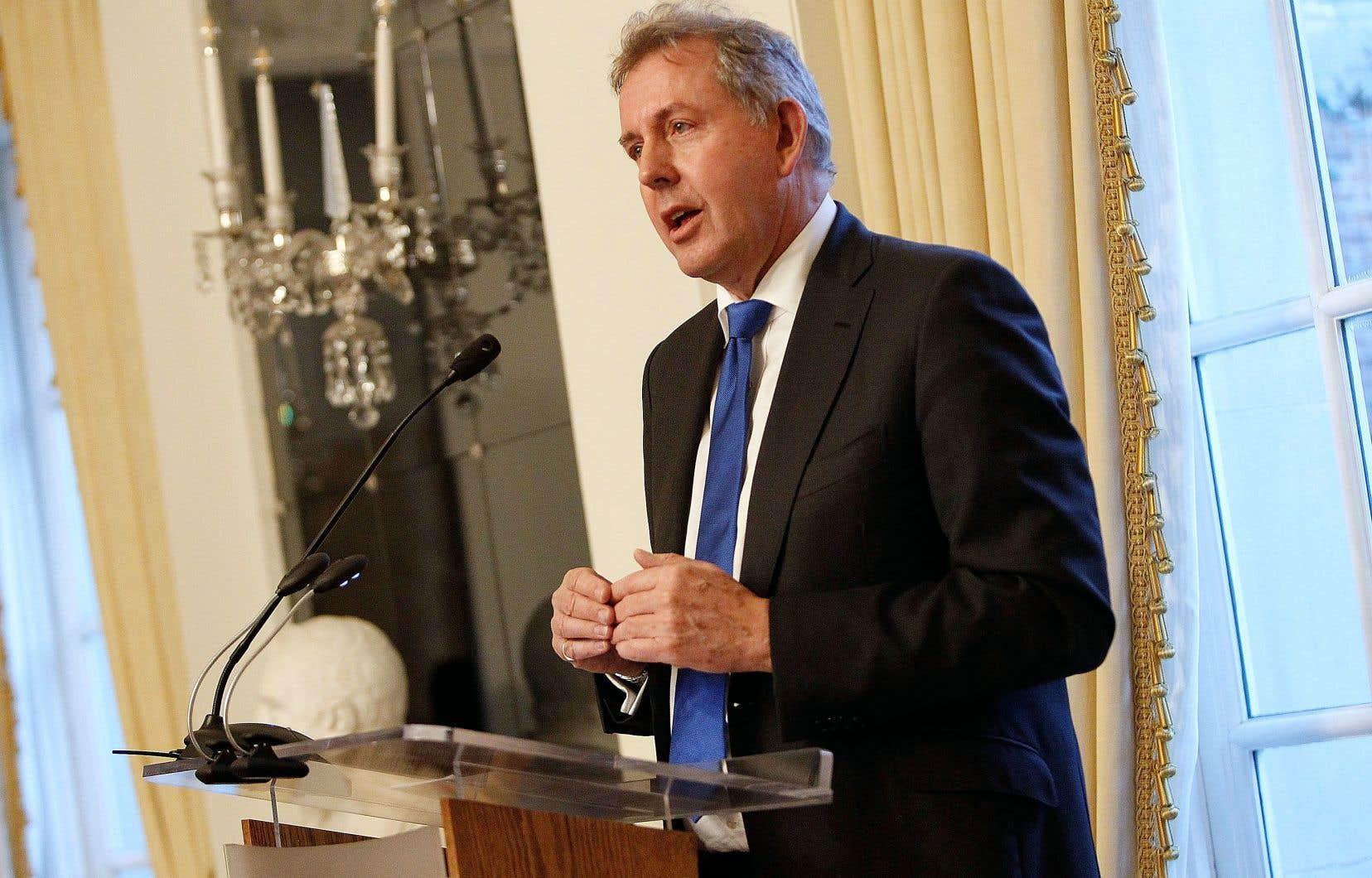 L'ambassadeur du Royaume-Uni aux États-Unis Kim Darroch a dû démissionner mercredi après que des câbles diplomatiques confidentielsau sujet du gouvernement Trump eurent fuité dans les médias.