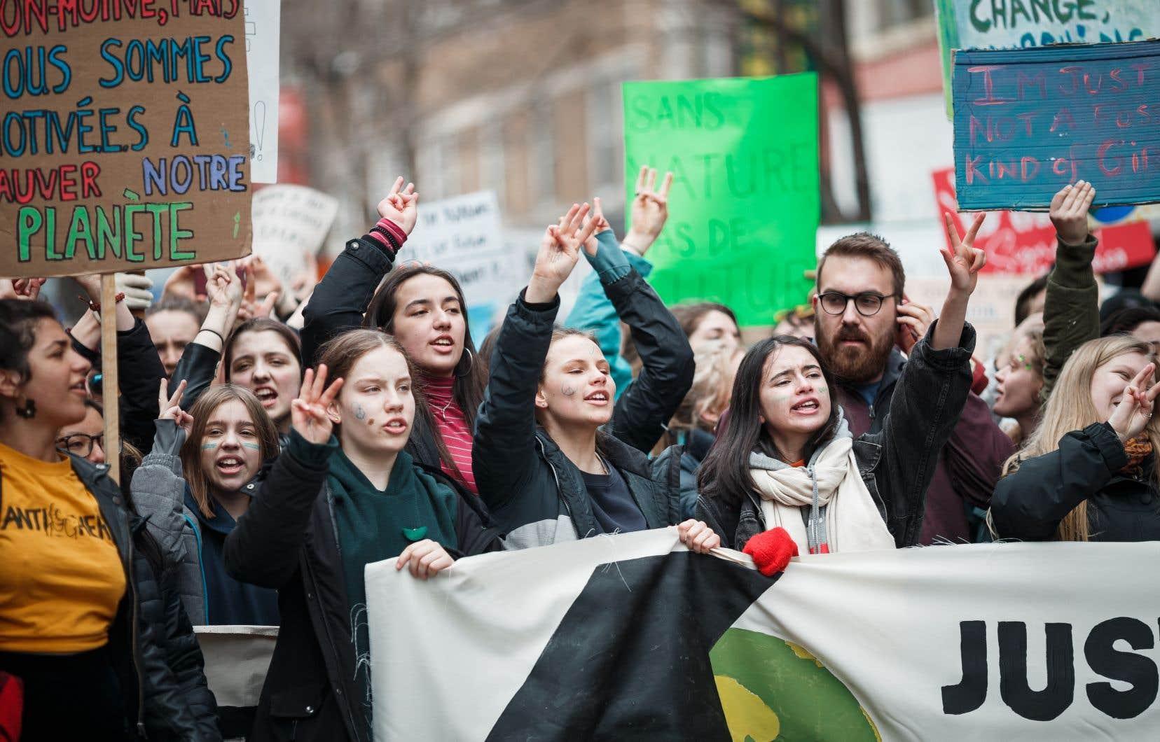 En mars dernier, des dizaines de milliers d'étudiants ont manifesté pour le climat à Montréal.