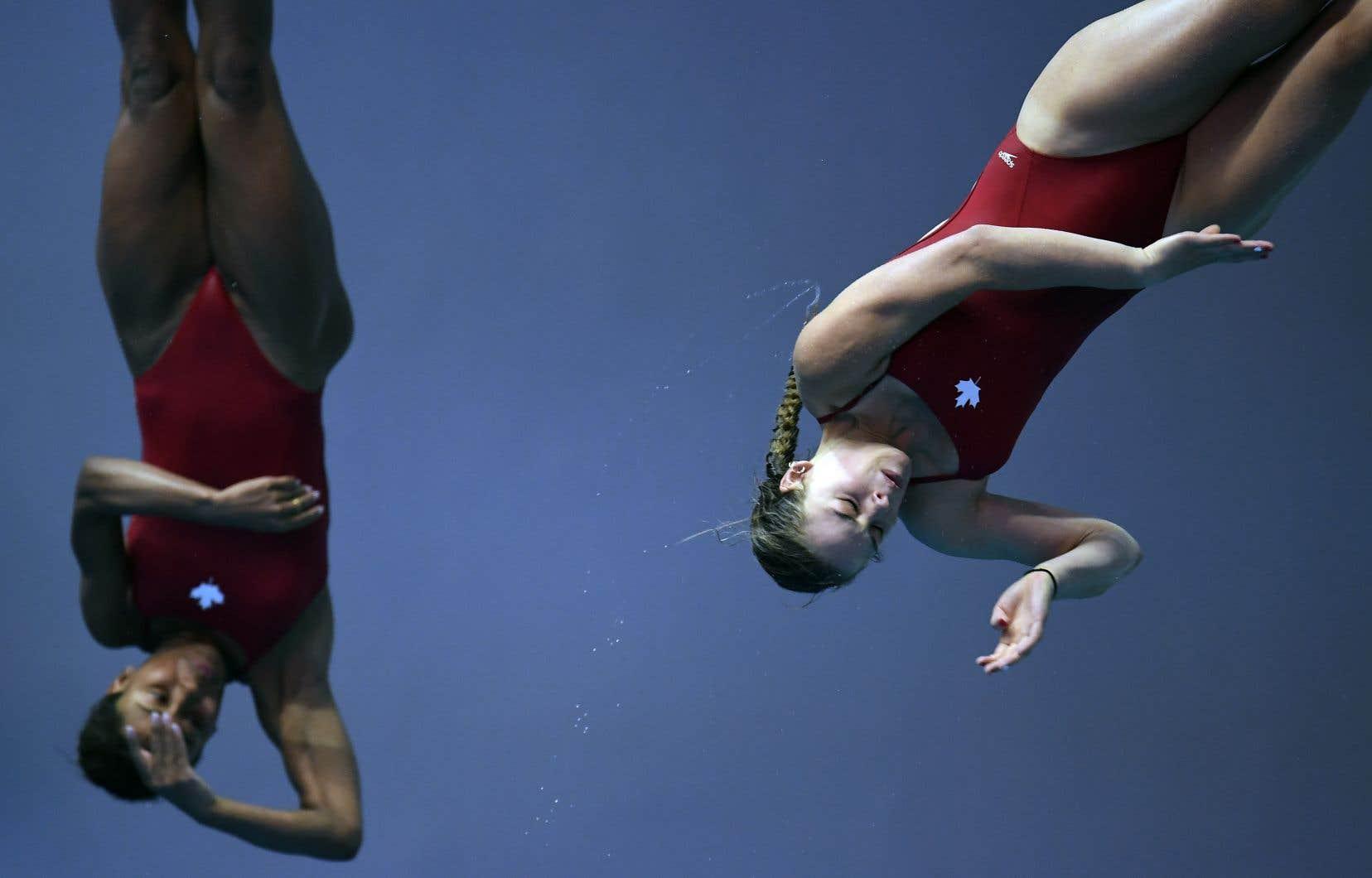 Jennifer Abel (à gauche) et Mélissa Citrini-Beaulieu ont terminé en deuxième position lundi à l'épreuve du 3m synchro aux Championnats du monde de la Fédération internationale de natation.