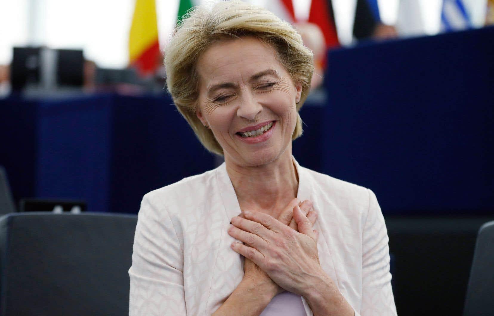 Avec 383 voix, l'actuelle ministre allemande de la Défense, candidate choisie par les États membres, a obtenu légèrement plus que la majorité absolue de 374 voix.