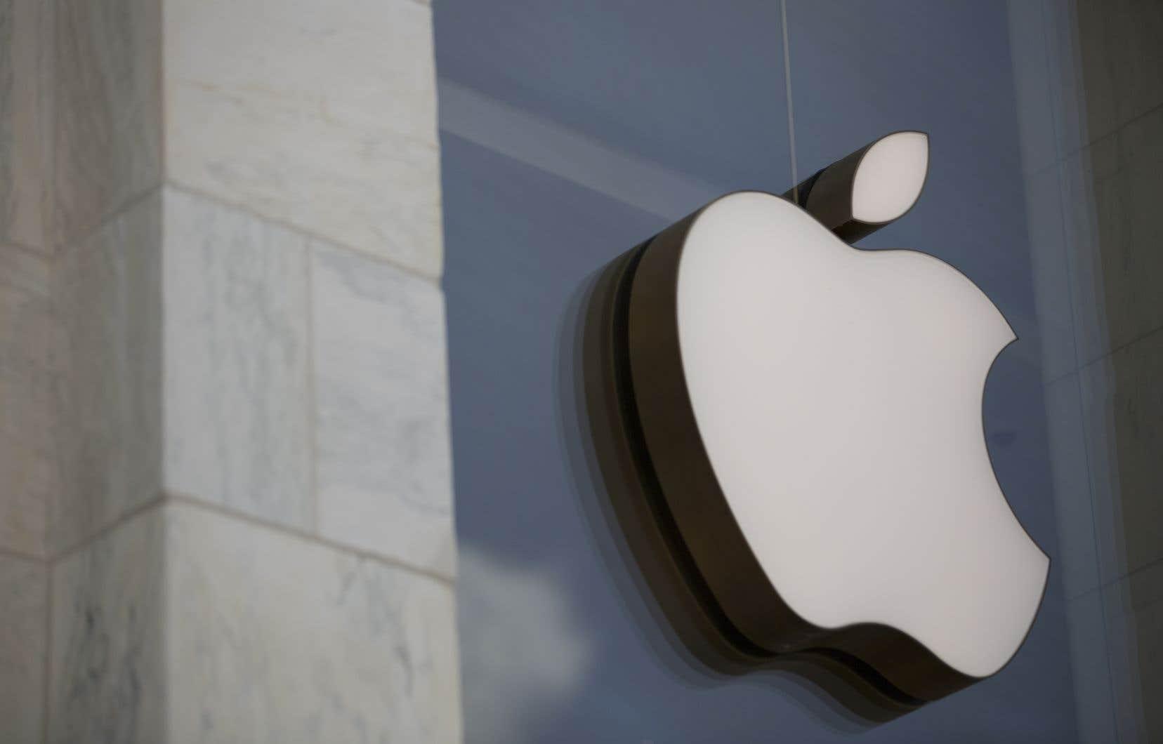 Lademande d'autorisation d'action collective aété déposée auprès des tribunaux après qu'Apple ait reconnu qu'elle avait ralenti le rendement de certains téléphones iPhone.