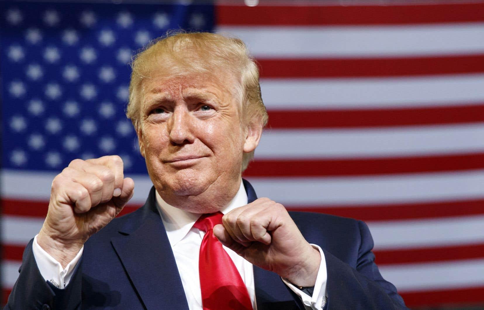 Le milliardaire républicain Donald Trump galvanisant sa base électorale dans un rassemblement à Greenville, en Caroline du Nord