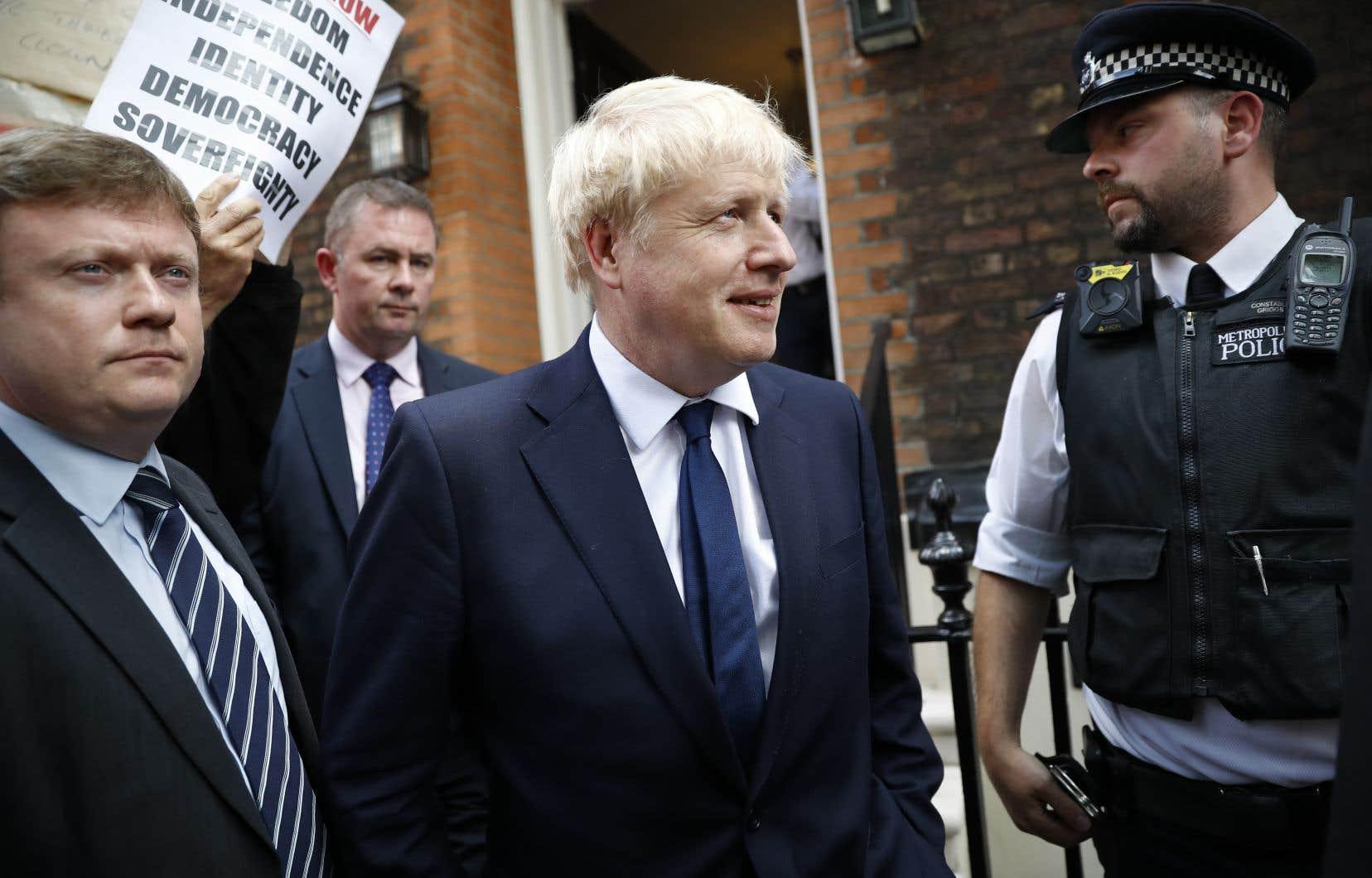 Populaire auprès des militants en raison de son humour et de ses excentricités, Boris Johnson suscite en revanche une profonde inimitié chez les adversaires du Brexit.