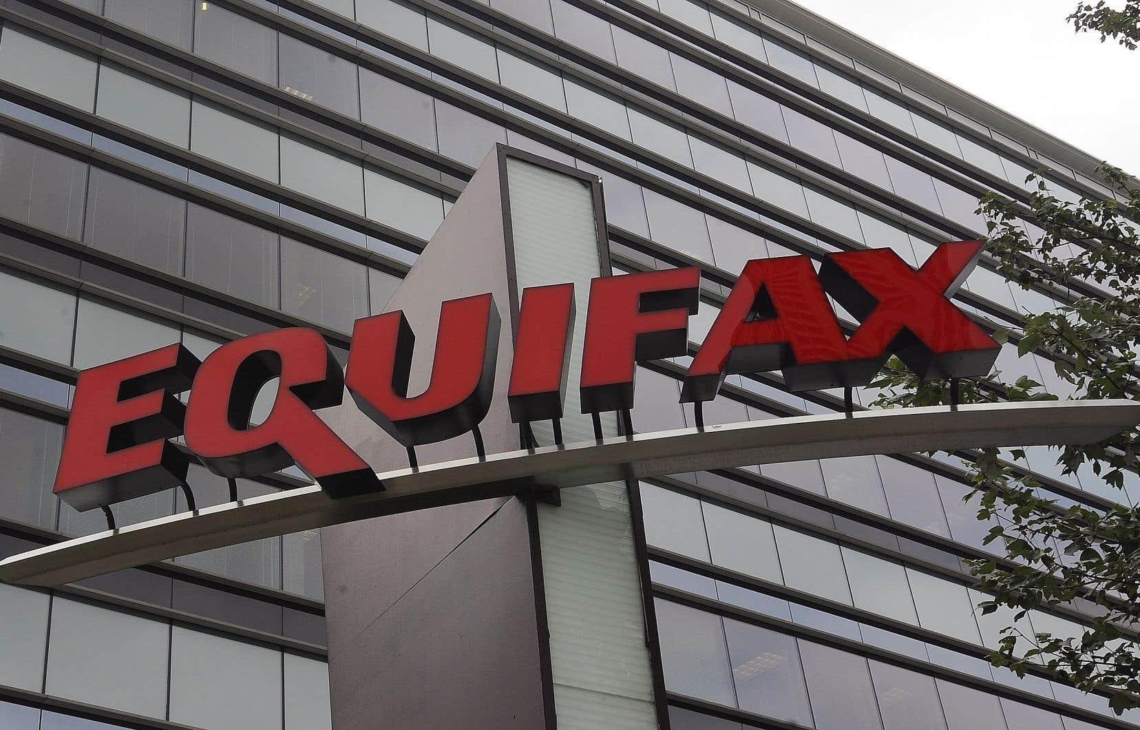 Equifax aura à verser jusqu'à 700 millions $US en amendes et en dédommagements aux 147 millions de victimes d'un vol massif de données personnelles par des pirates informatiques en 2017, ont confirmé les autorités américaines.
