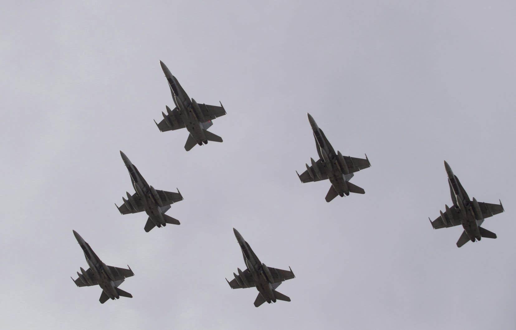 Les 88 chasseurs recherchés par Ottawa remplaceront les CF-18 vieillissants, en service depuis plus de 35 ans.