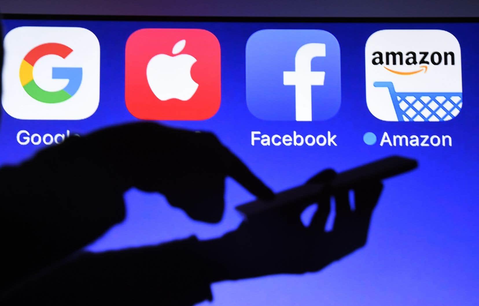 Les géants de la technologie tels que Google, Facebook, Amazon et Apple sont accusés d'être trop puissants, voire monopolistiques.