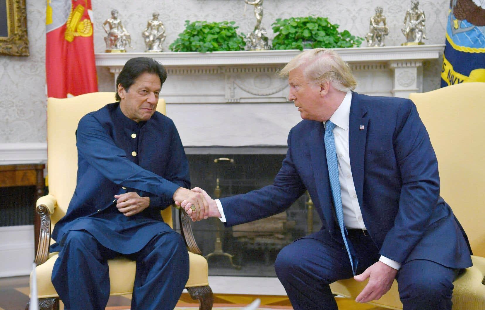 En recevant lundi le dirigeant pakistanais Imran Khan (sur la photo) à Washington, Donald Trump a déclaré que que le premier ministre indien Narendra Modi lui a offert de servir d'arbitre pour régler la crise au Cachemire.