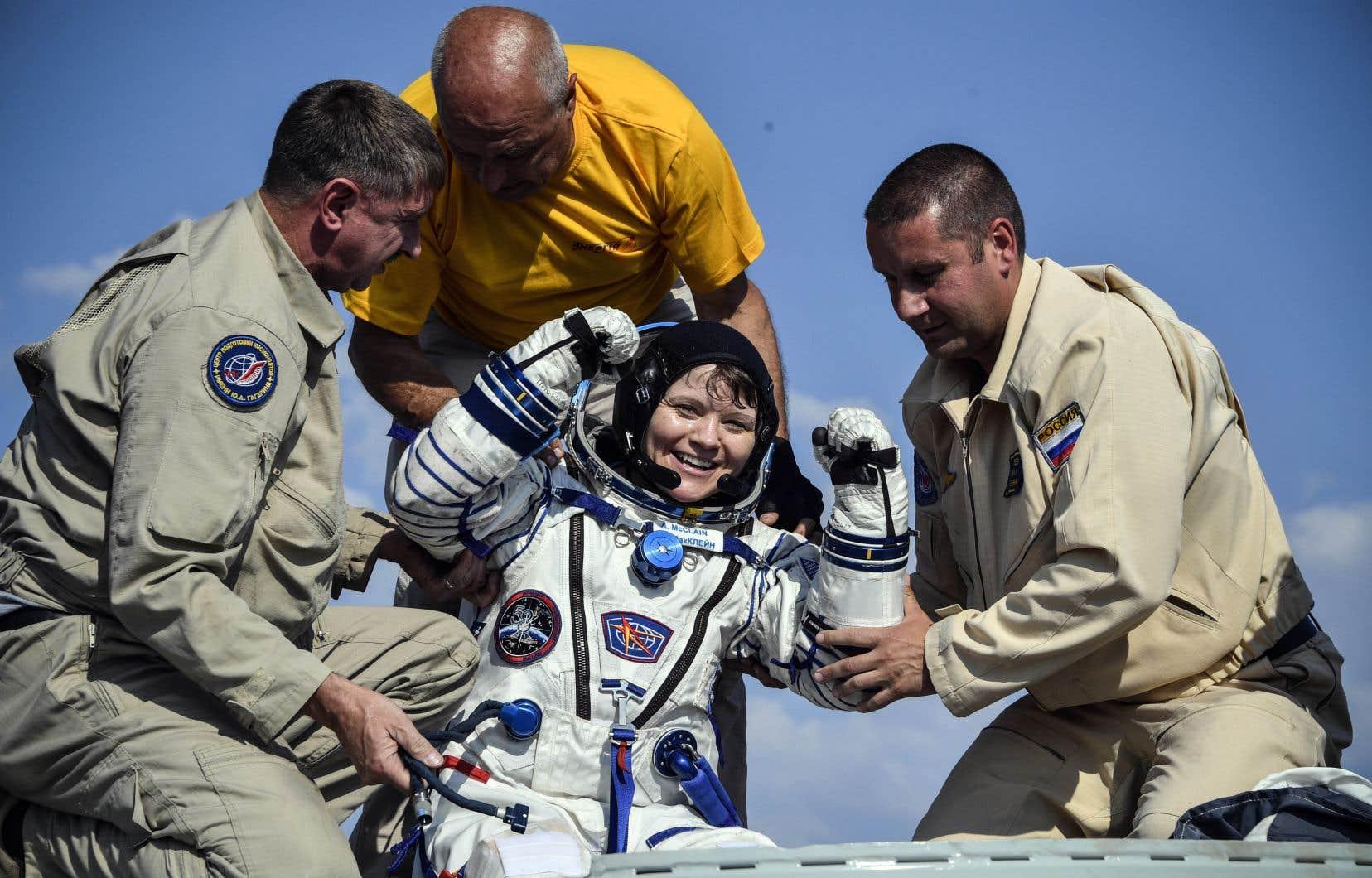 L'astronaute américaine Anne McClain à son retour sur terre, le 25 juin dernier