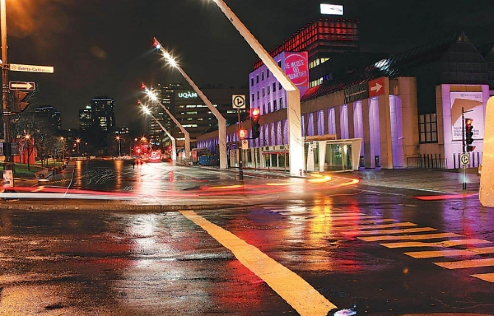 Malgré le climat politique morose, le Plan d'action Montréal, métropole culturelle 2007-2017 a entre autres permis le décollage du projet de réaménagement du Quartier des spectacles.<br />