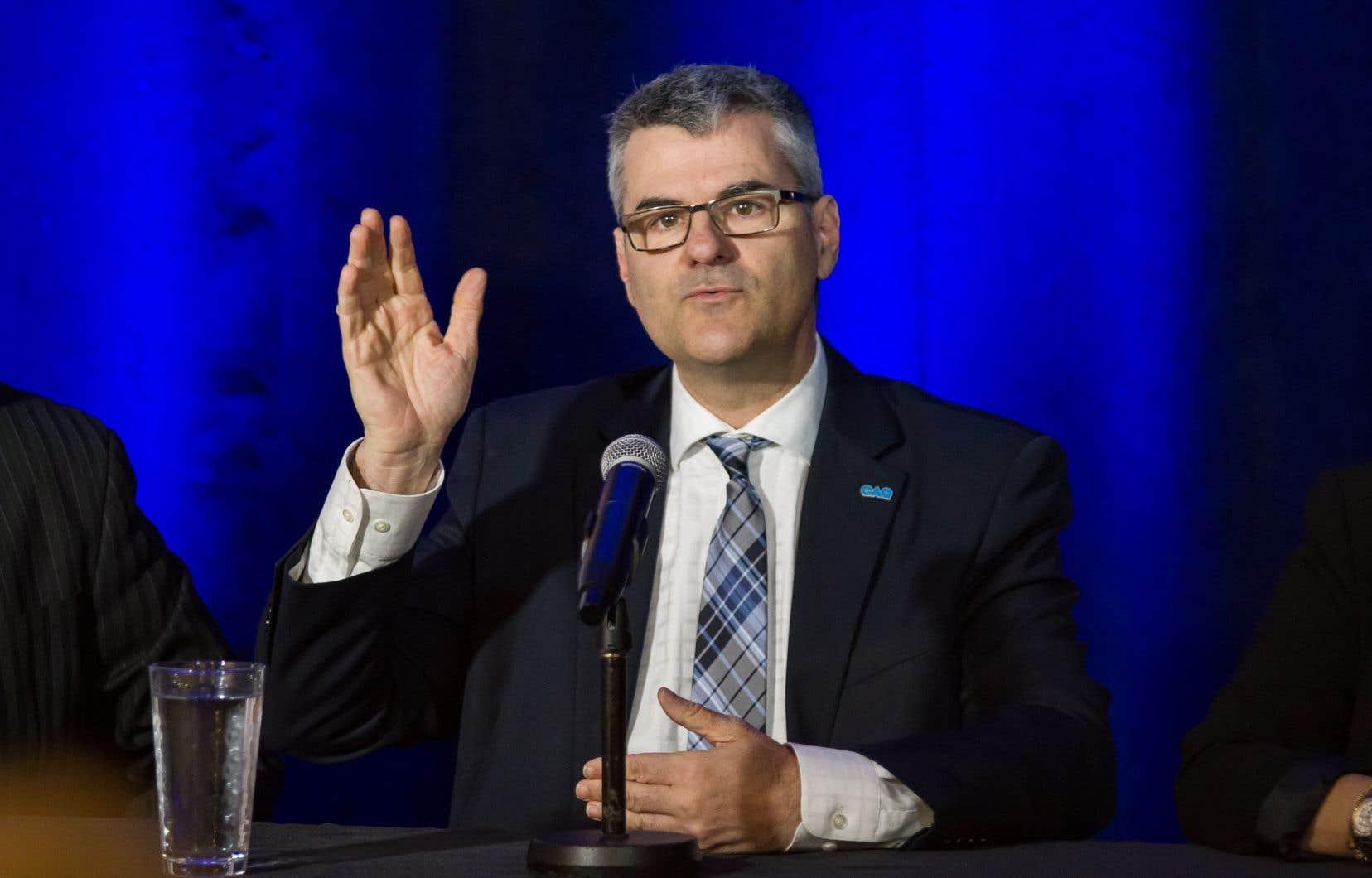 Le ministre québécois délégué à la Transformation numérique gouvernementale,Éric Caire, croit que la consolidation des centres de données permettra de rehausser leur sécurité puisqu'ils seront beaucoup moins nombreux.