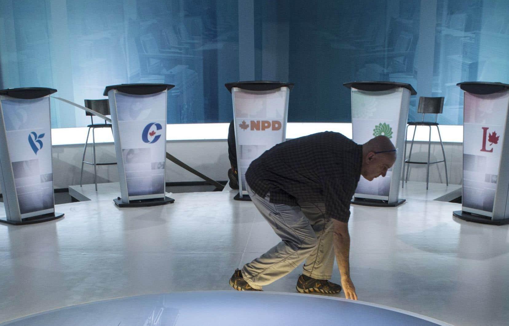 Les débats seront présentés avec un partenariat comprenant Radio-Canada/CBC, «Le Devoir», «La Presse», «L'Actualité», HuffPost Canada et HuffPost Québec, «TheToronto Star» et Torstar Chain, CTV, ainsi que Global.