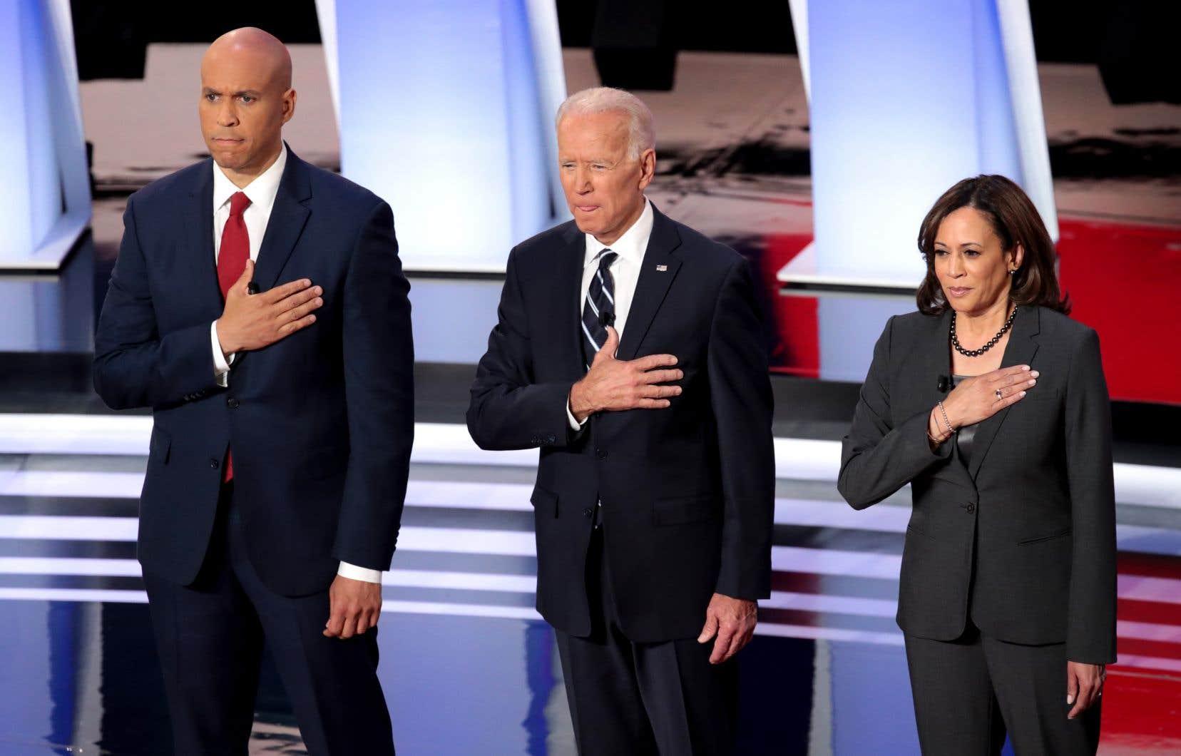 De gauche à droite: Cory Booker, Joe Biden et Kamala Harris, candidats à la primaire démocrate
