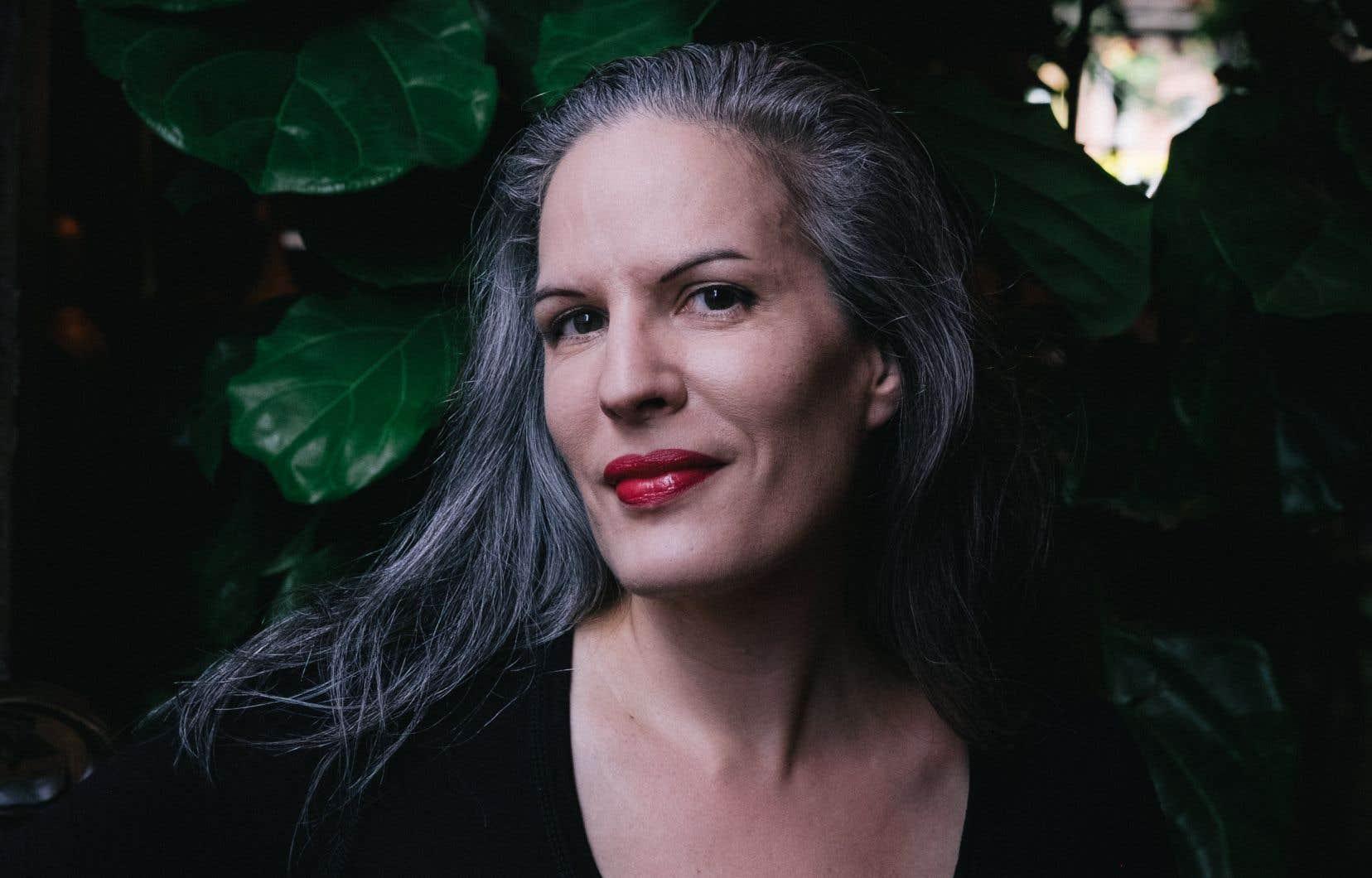 C'est au cœur de l'interdisciplinarité de sa démarche artistique que Karoline Georges trouve bien souvent l'équation nécessaire à la naissance d'une nouvelle œuvre.