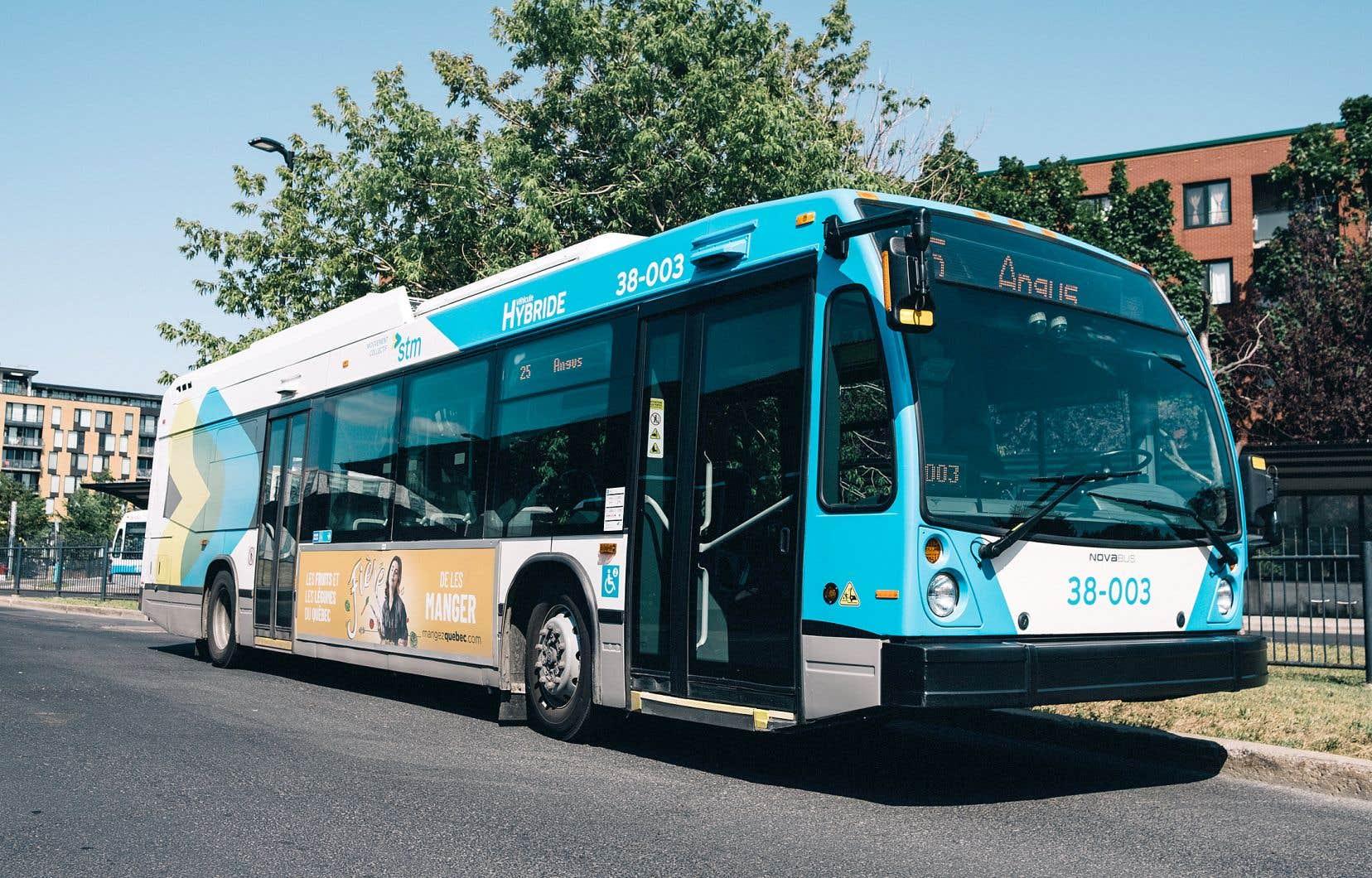 Les autobus hybrides de Nova Bus roulent dans les rues de Montréal depuis 2016.