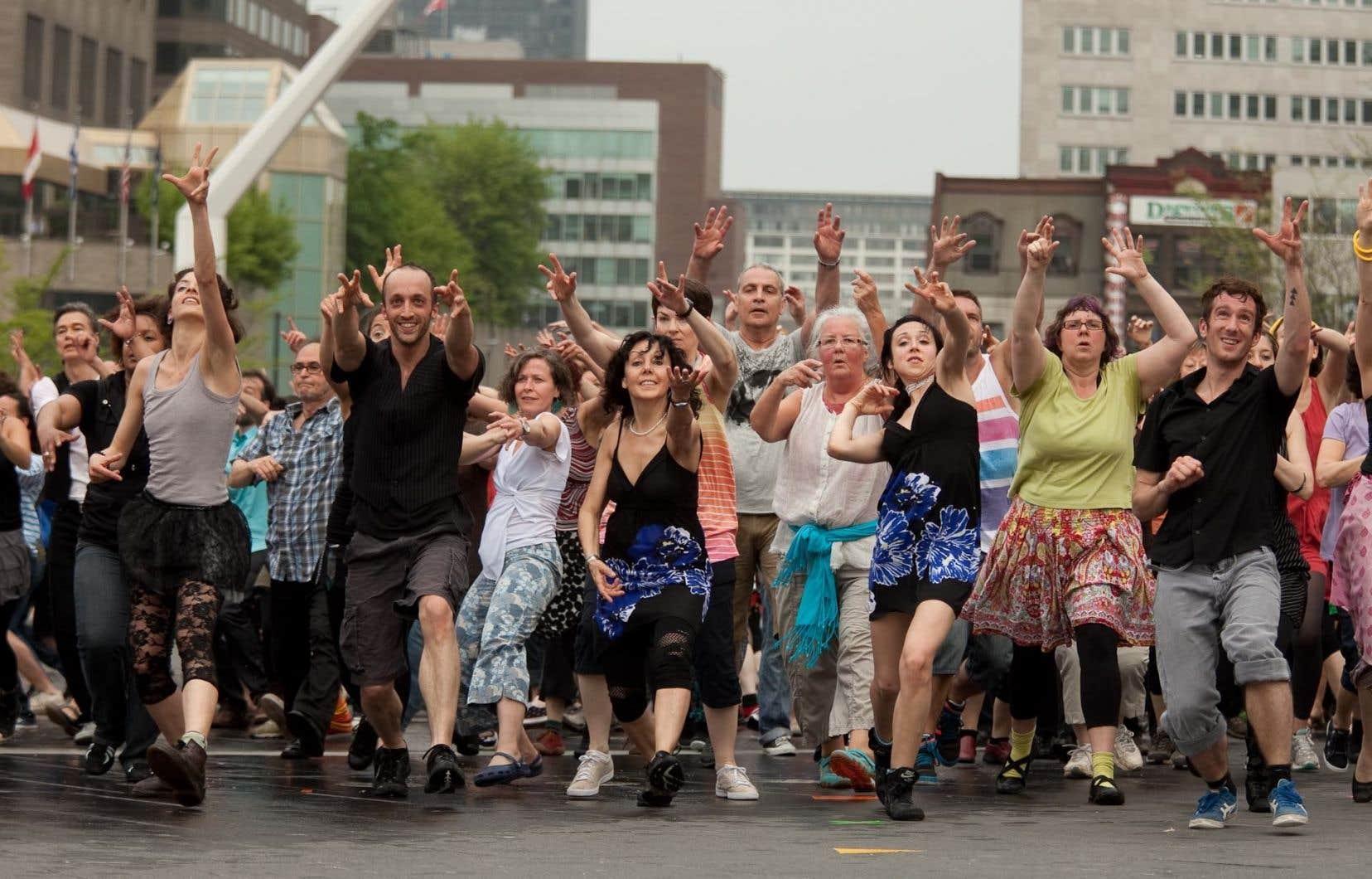 Reprise dans le cadre du festival Virée classique, la prochaine mouture montréalaise du «Grand Continental» revisitera la danse en ligne dans la rue Sainte-Catherine, face à la Place des Arts.