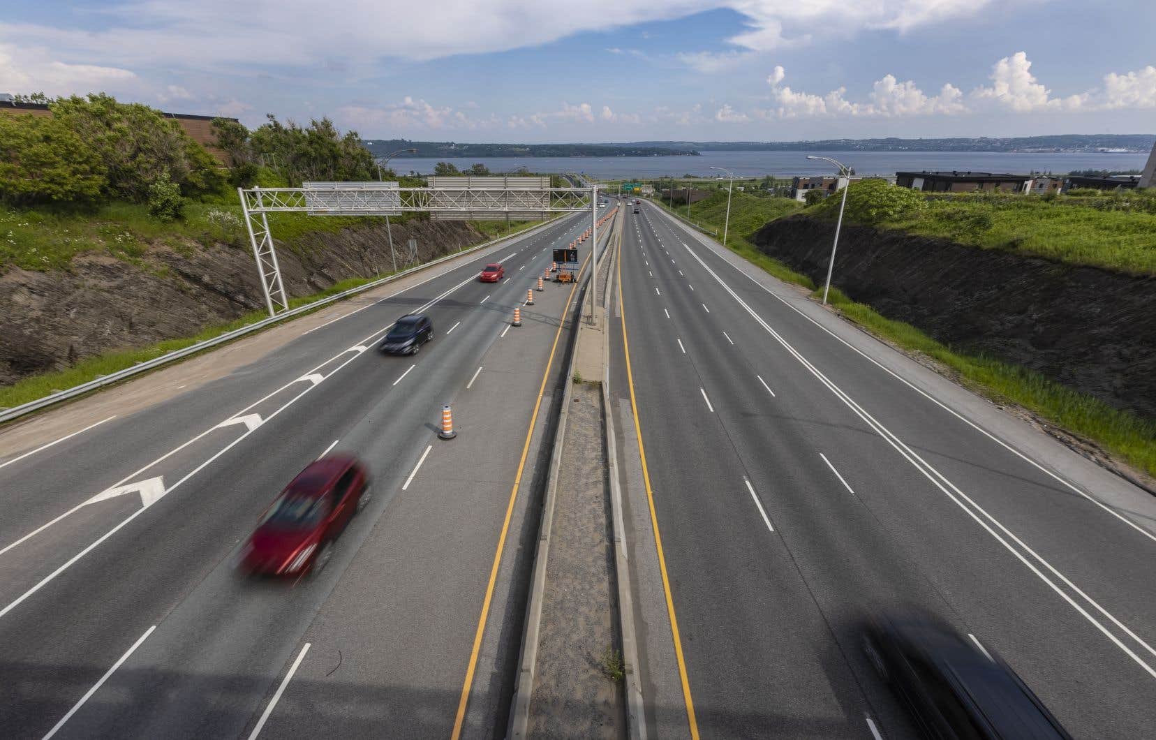 «Ce projet créerait un pôle d'échanges intermodaux qui facilite les déplacements tout en redynamisant les centres urbains des deux municipalités riveraines», écrivent les auteurs.