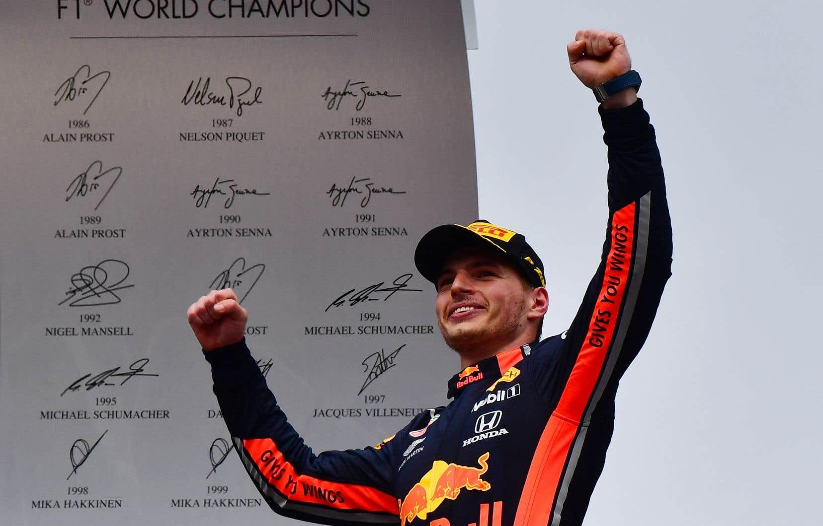 Verstappen est présenté comme un futur multiple champion et semble véritablement capable de défier Hamilton.