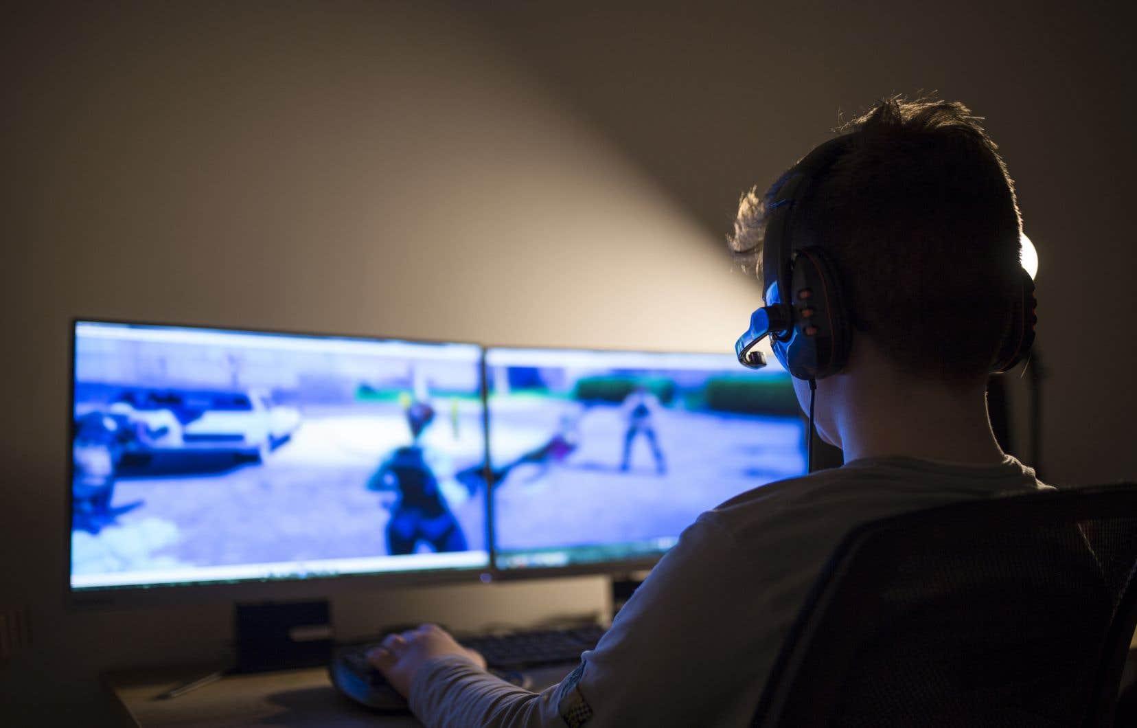 Certaines études montrent une augmentation à court terme des pensées et sentiments agressifs après avoir joué à des jeux vidéo, mais rien qui n'atteint le niveau de violence.