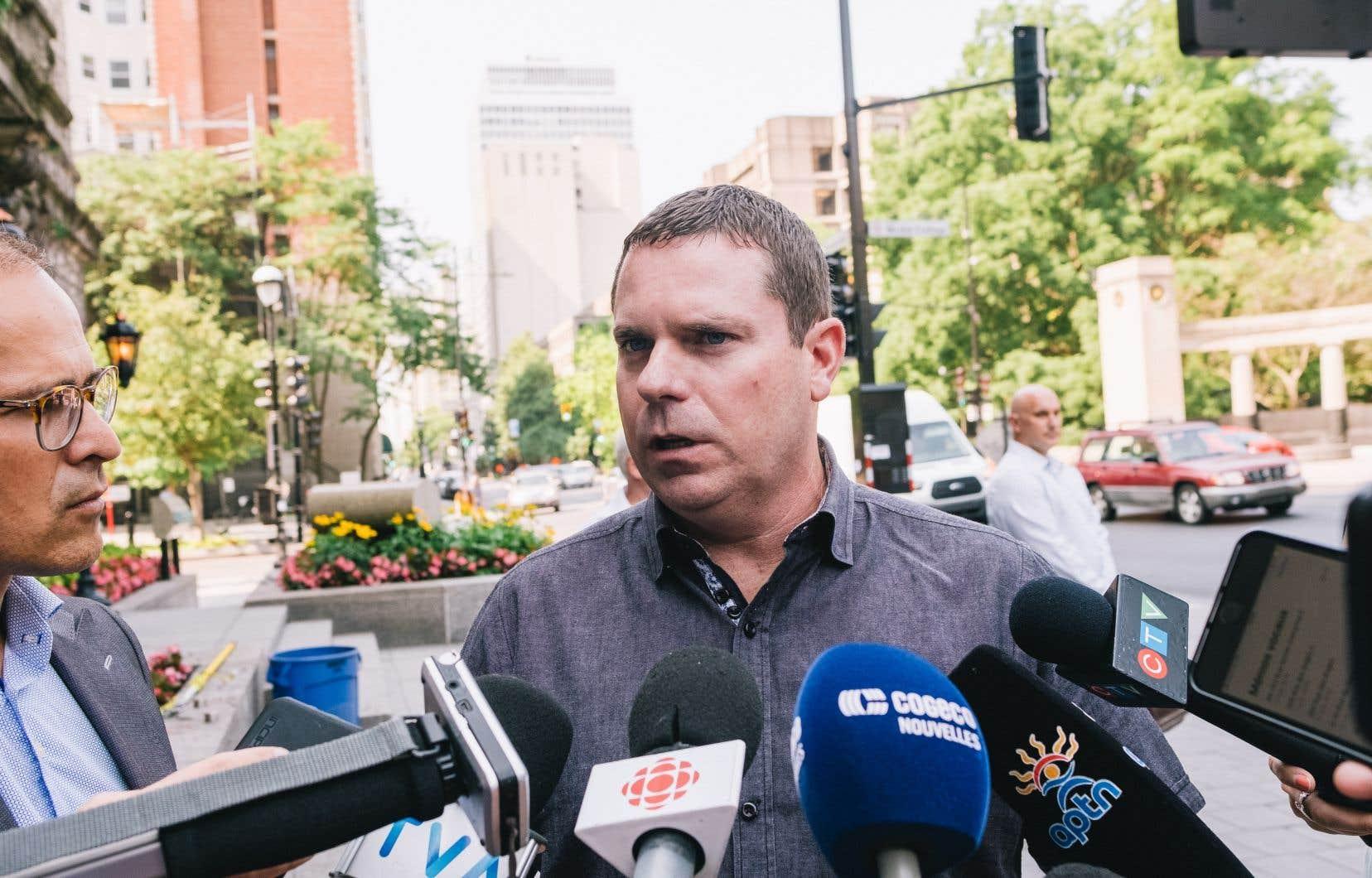 Le maire d'Oka, Pascal Quevillon, s'est opposé à la rétrocession de terrains aux Mohawks, disant craindre pour la pérennité de sa municipalité, située à l'ouest de Montréal.
