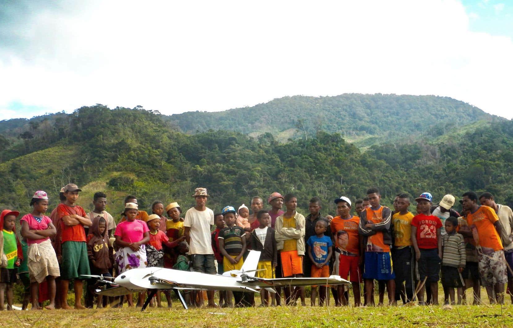 Les drones sont utilisés pour l'envoi des prélèvements aux hôpitaux et le parachutage de médicaments dans des villages situés jusqu'à cinq jours de marche du plus proche établissement de santé.