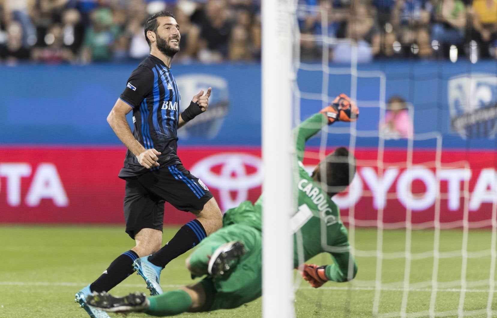 Au retour de la mi-temps, Ignacio Piatti a réussi son deuxième but du match à la 49e minute, à la suite d'une belle passe de Bacary Sagna.