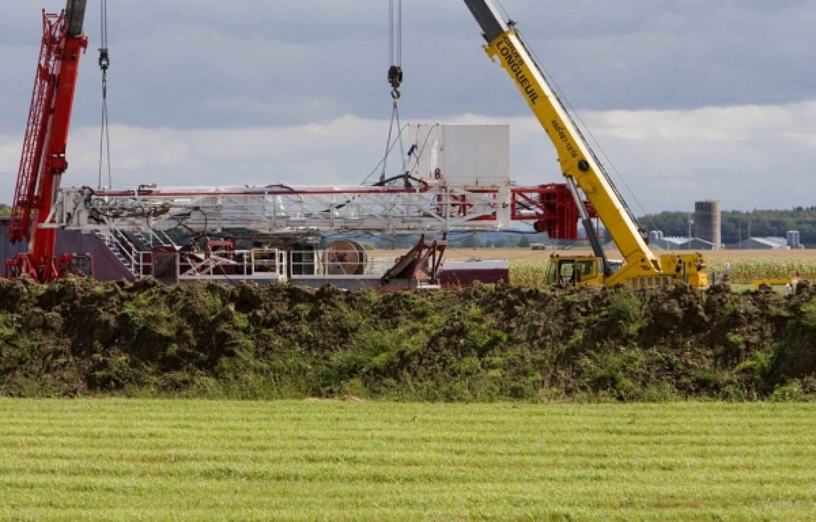Une tour d'exploration des gaz de schiste démantelée la semaine dernière à Saint-Thomas d'Aquin, en Montérégie.