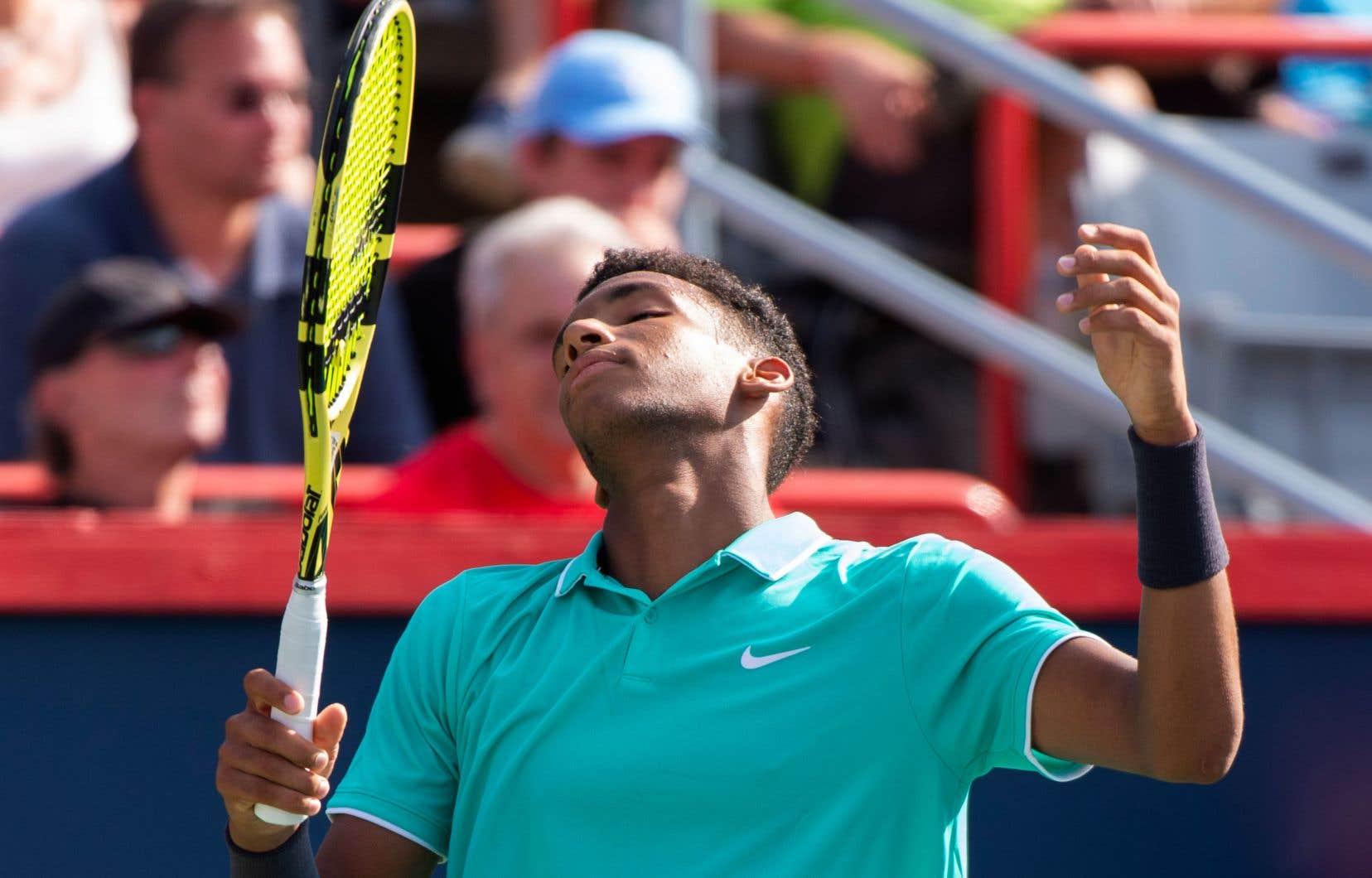 Auger-Aliassime a laissé filer une occasion en or de s'emparer du titre de meilleur tennisman canadien.