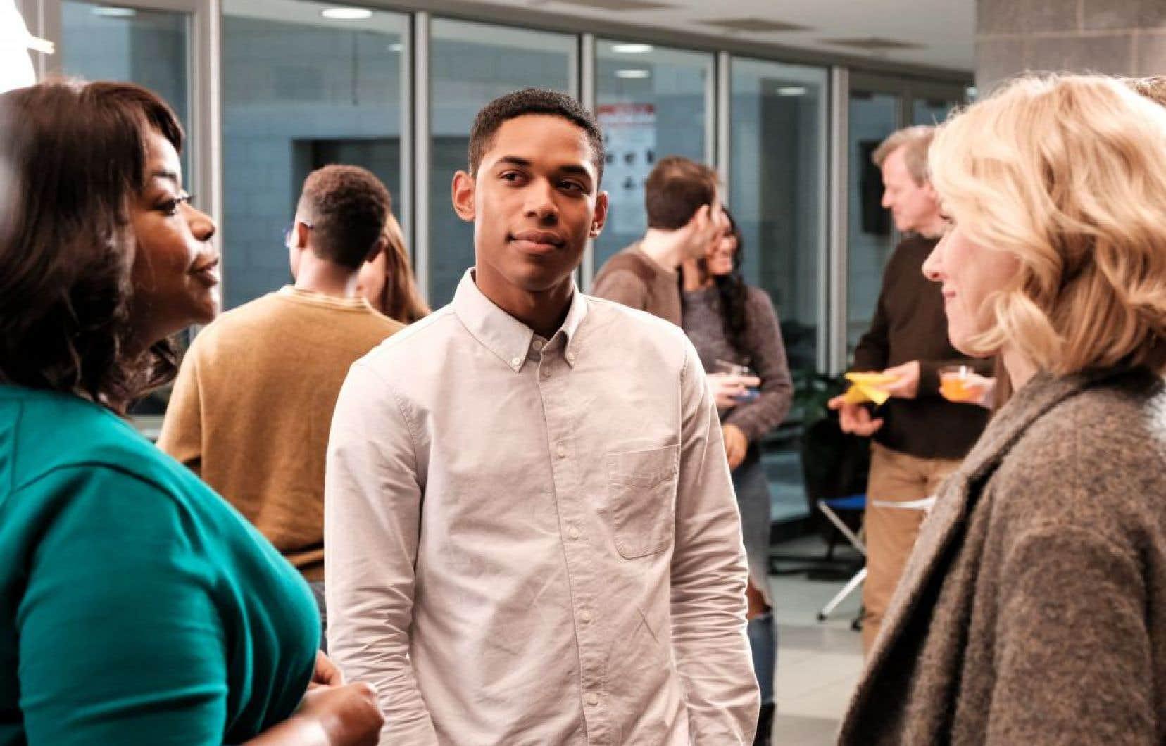 Dans le rôle-titre, Kelvin Harrison Jr., hypnotique, exsude une ambiguïté de plus en plus insoutenable à mesure que le récit révèle des zones d'ombre.