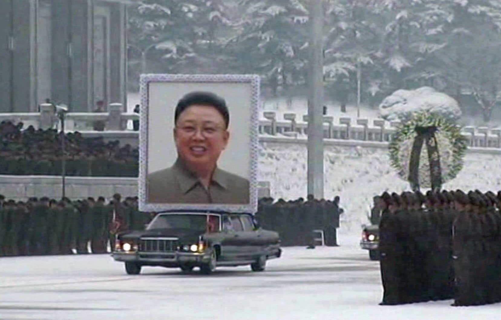 Il règne autour des dictateurs un «sentiment d'éternité» qui va parfois jusqu'à la «négation de la mort».