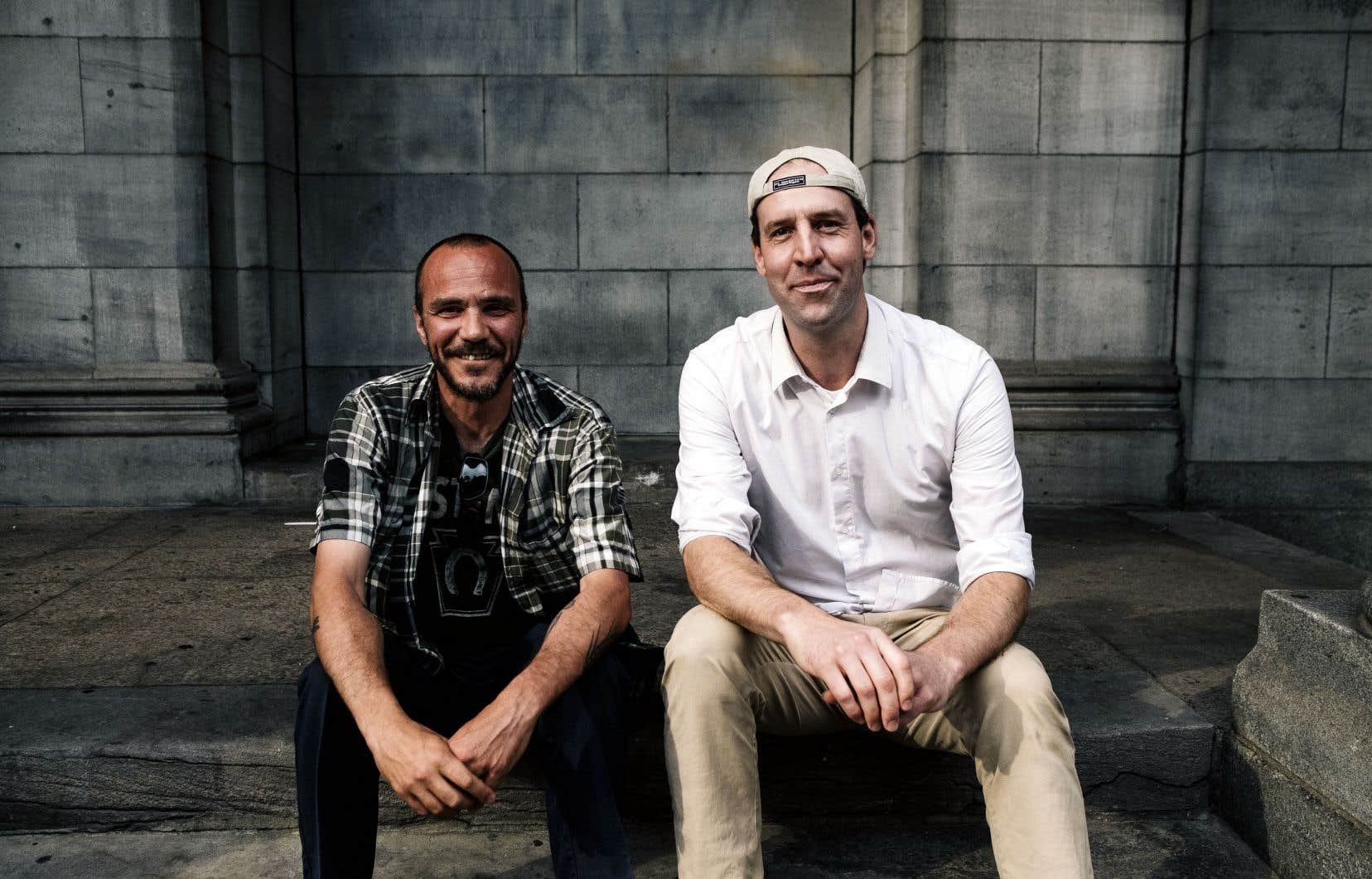 Jean-Sébastien Larouche et Carl Bessette y sont allés le 11 août 2009 du pacte qui a ensuite donné naissance aux Éditions de l'Écrou.